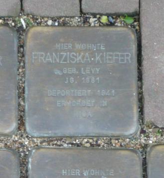 Franziska Kiefer Stolperstein Osterath.PNG