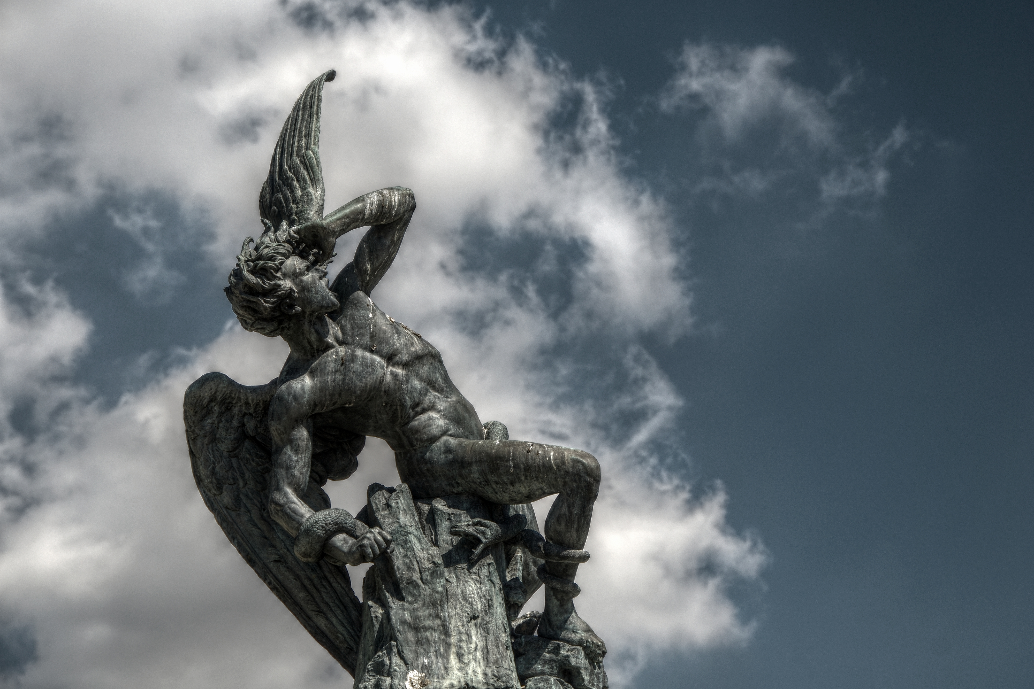 El Ángel Caído / The Fallen Angel. Jardines del Buen Retiro, Madrid, Spain.