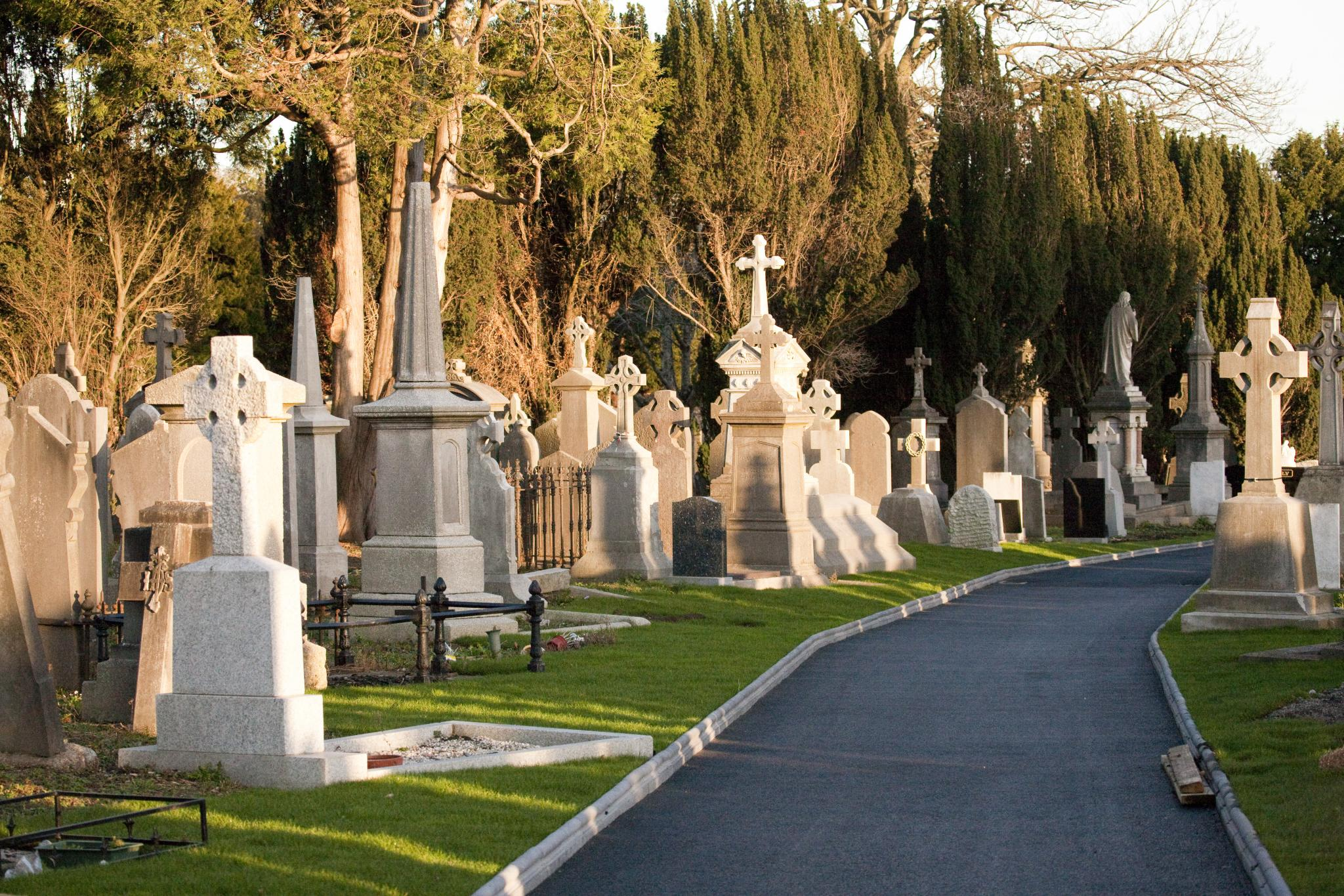 Glasnevin Cemetery, officially known as Prospect Cemetery (4164747927).jpg