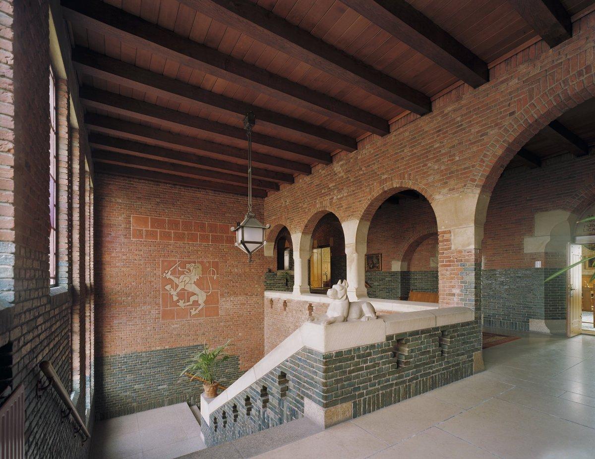 fileinterieur bovenverdieping overzicht trappenhuis waalwijk 20350071 rcejpg