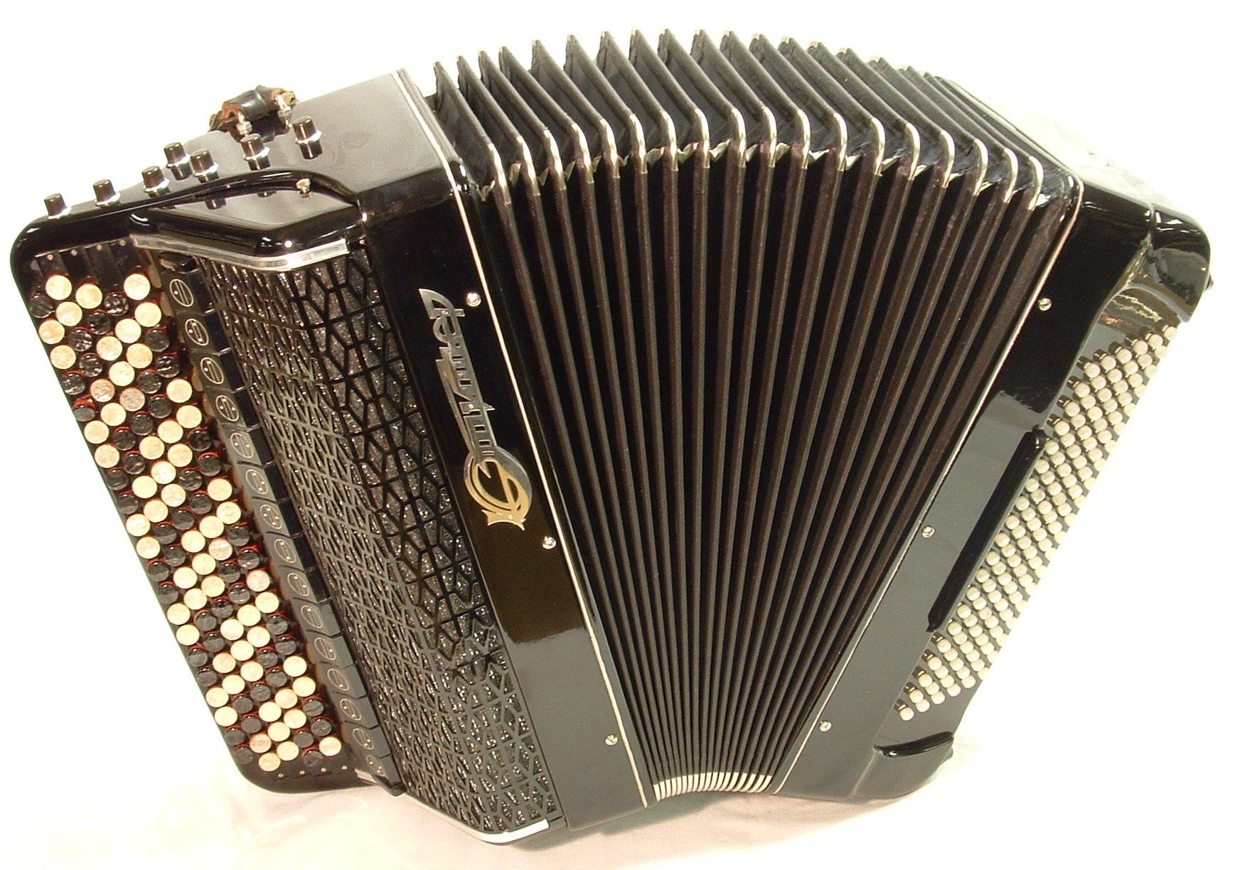 File:Jupiter bayan accordion.JPG - Wikipedia, the free encyclopedia: en.wikipedia.org/wiki/File:Jupiter_bayan_accordion.JPG