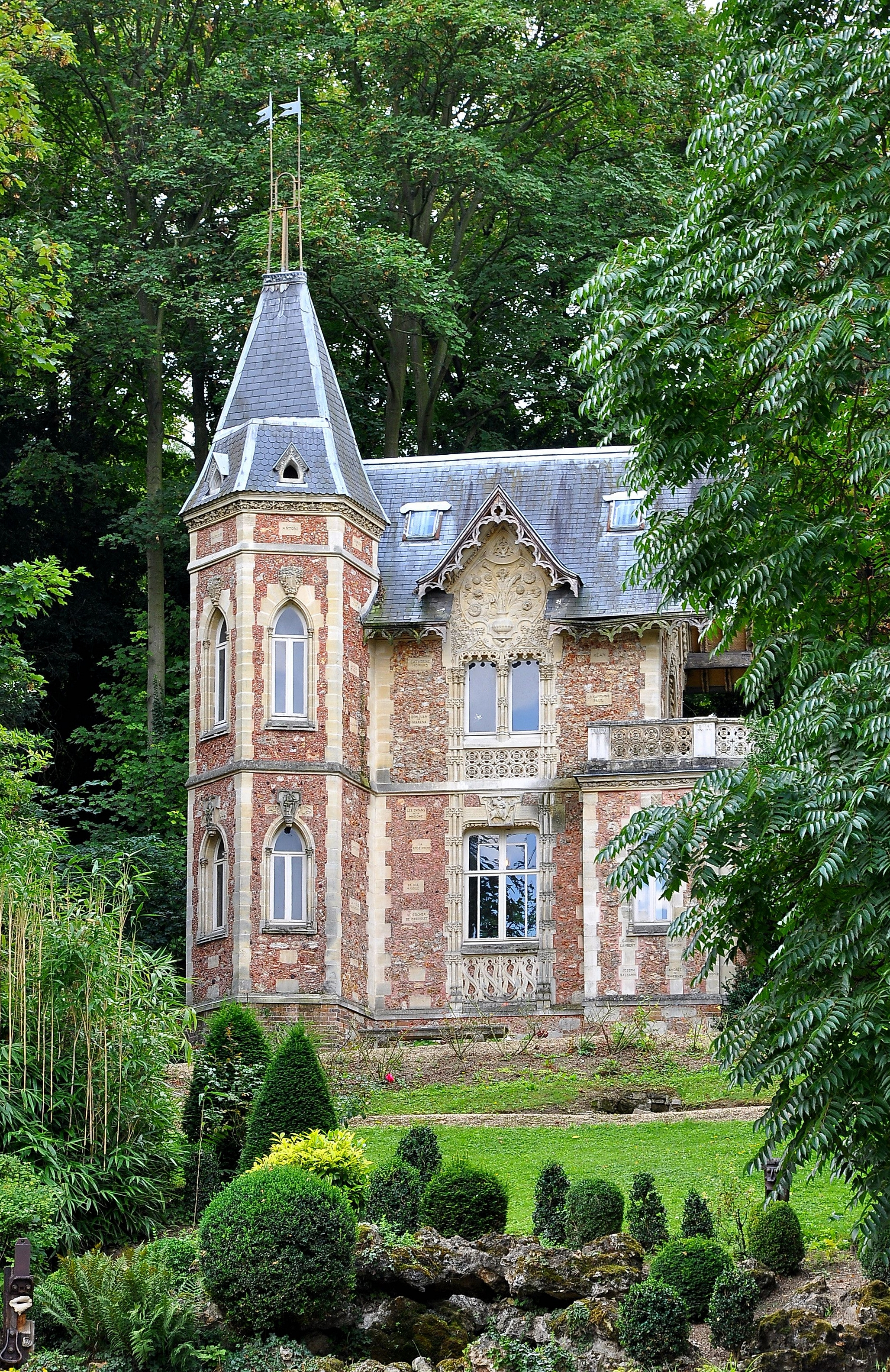 File:Le Port-Marly Château d'If 001.JPG - Wikimedia Commons