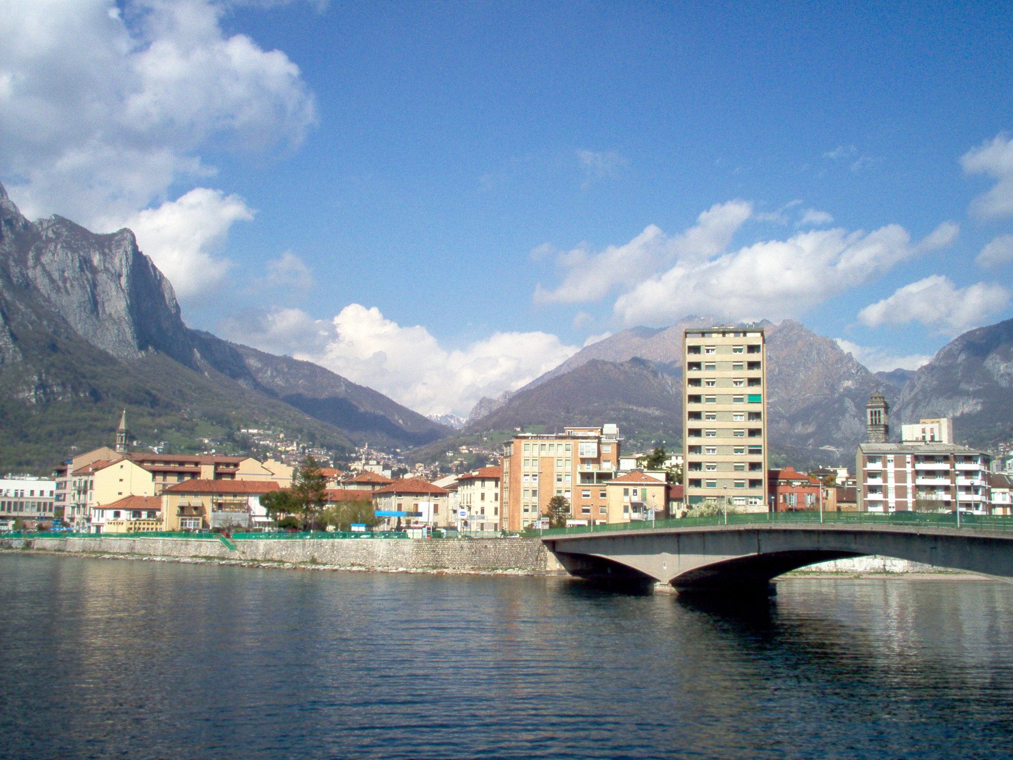 Lecco Italy  city photo : This licensing tag was added to this file as part of the GFDL ...
