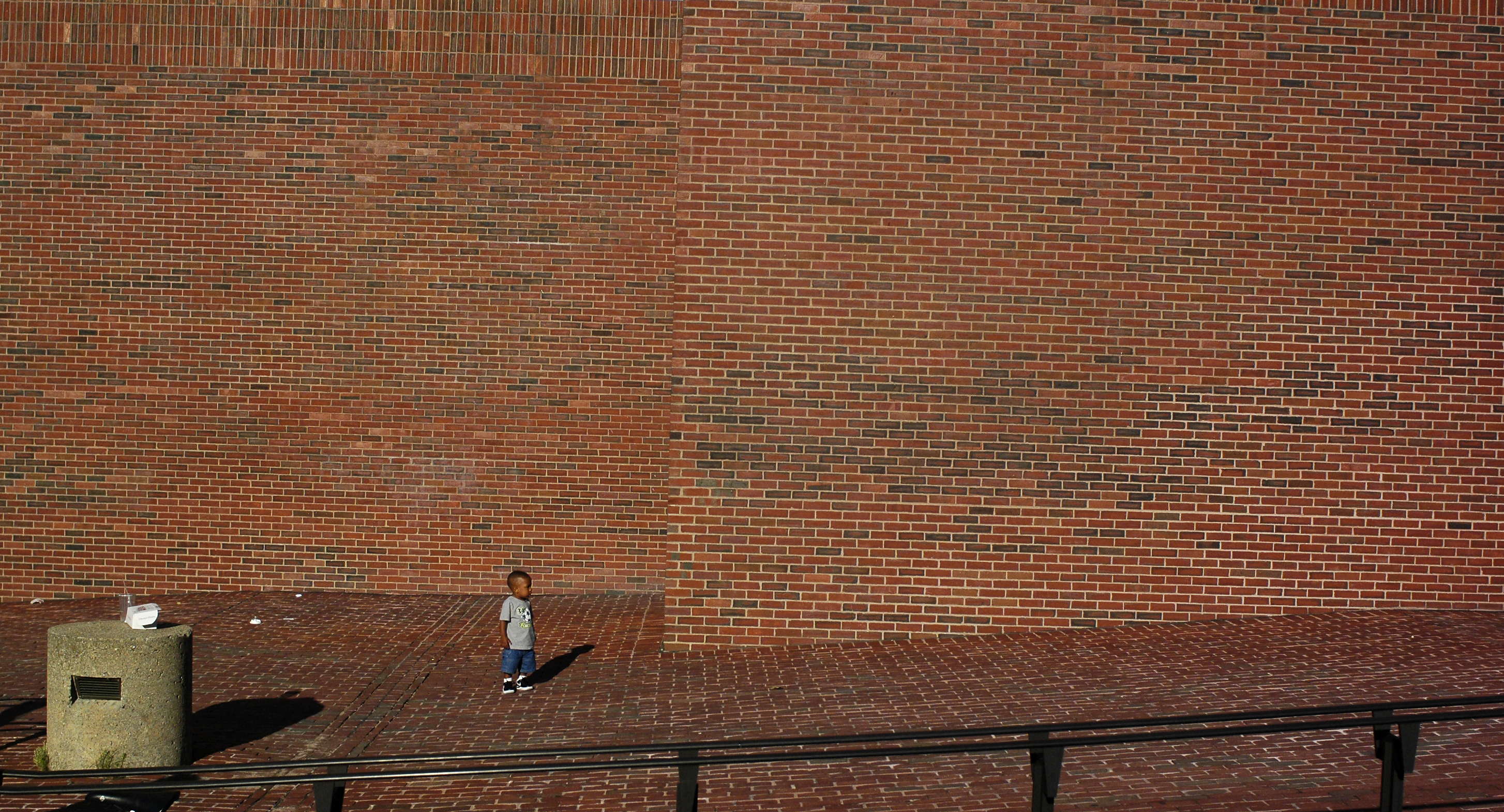 File:Little Boy And Brick Wall In Government Center Boston