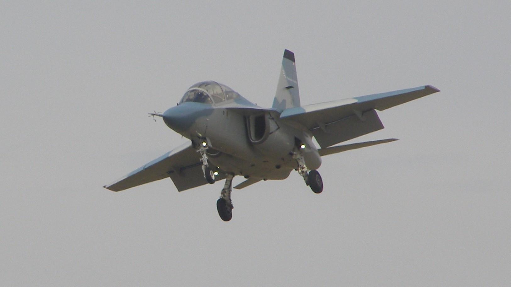 Учебный самолёт M-346 Master https://ru.wikipedia.org/wiki/Aermacchi_M-346 - Италия начала сборку первого самолёта M-346 Master для ВВС Польши | Военно-исторический портал Warspot.ru