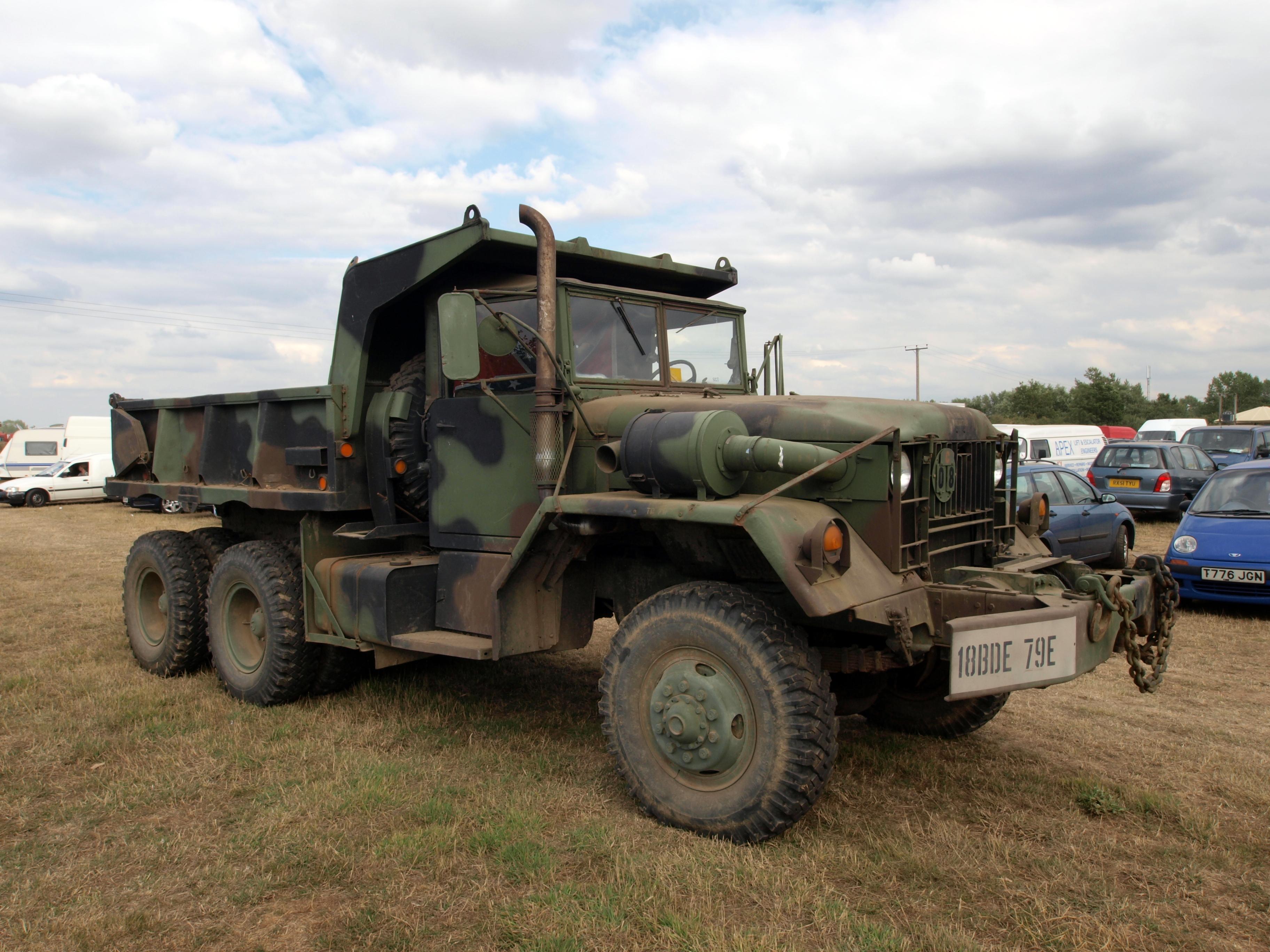 M54 5tトラック - Wikipedia