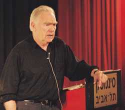 Robert McKee American academic specialized in seminars for screenwriters