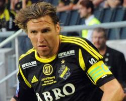 Nils-Eric Johansson (contre Elfsborg en 2013, rogné) .jpg
