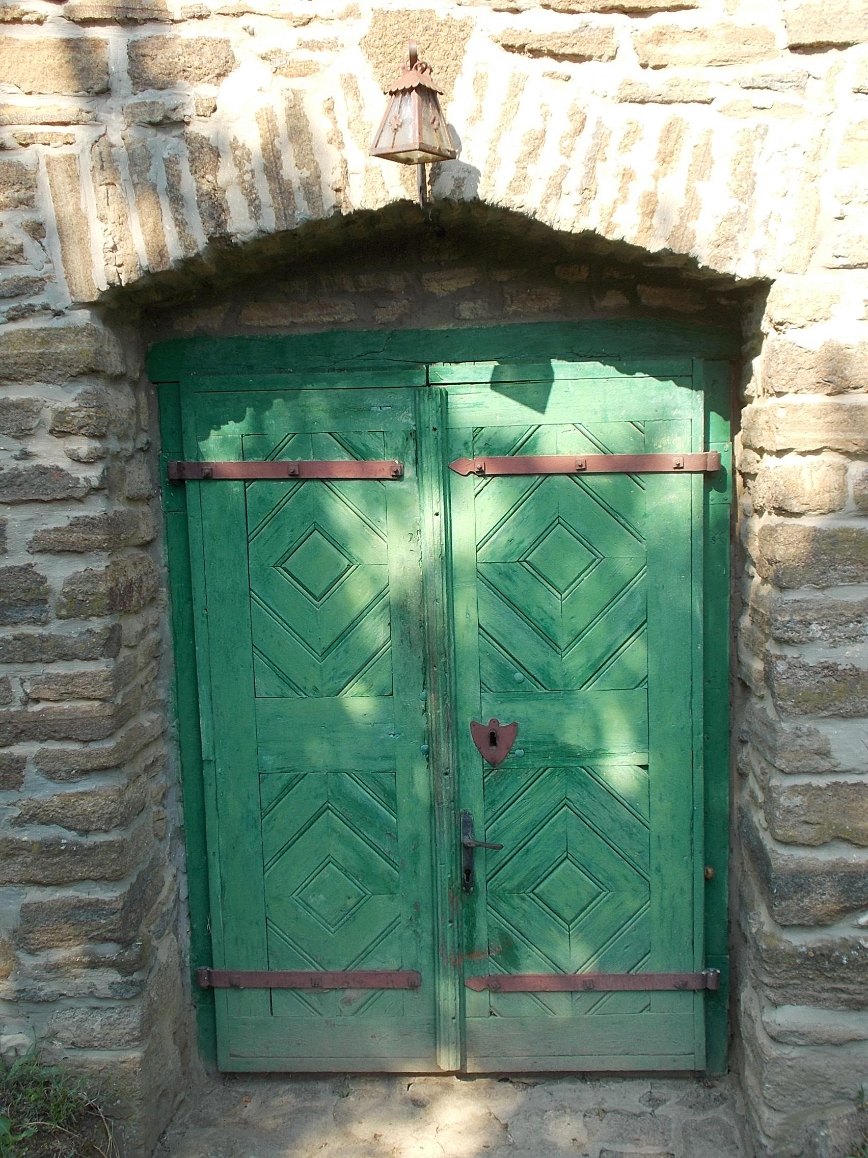 FileOld Wine Cellar (door). - Kiserdőtelepi Rd. Tihany & File:Old Wine Cellar (door). - Kiserdőtelepi Rd. Tihany Hungary ...