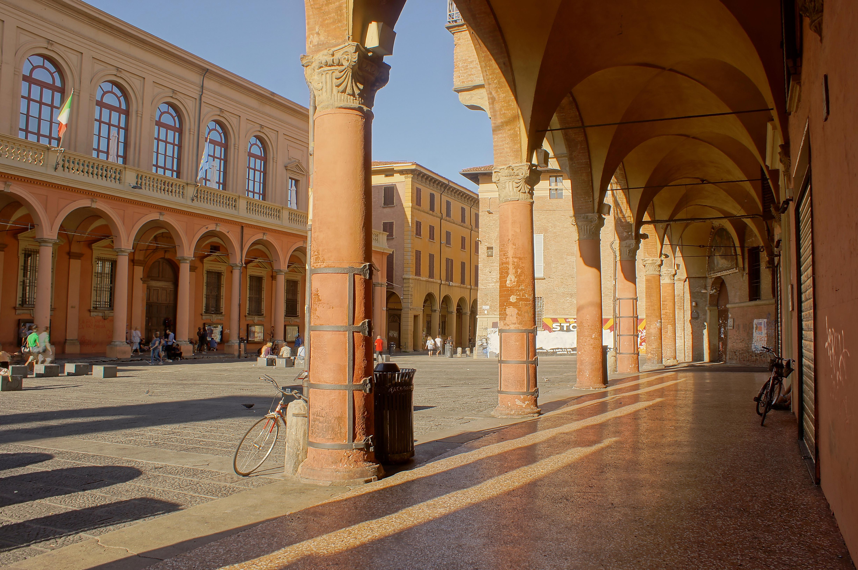 bologna piazza verdi