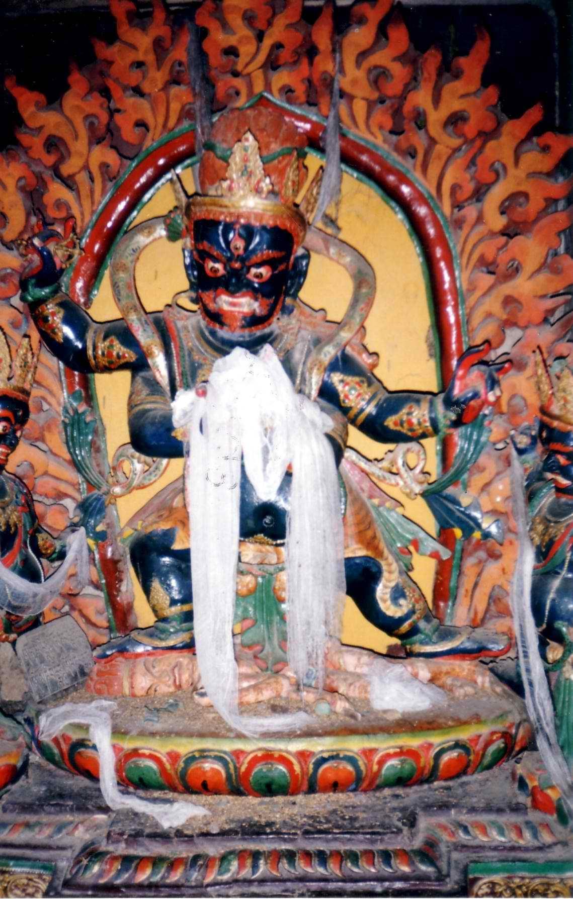 external image Protective_deity,_Gyantse_Kumbum.JPG