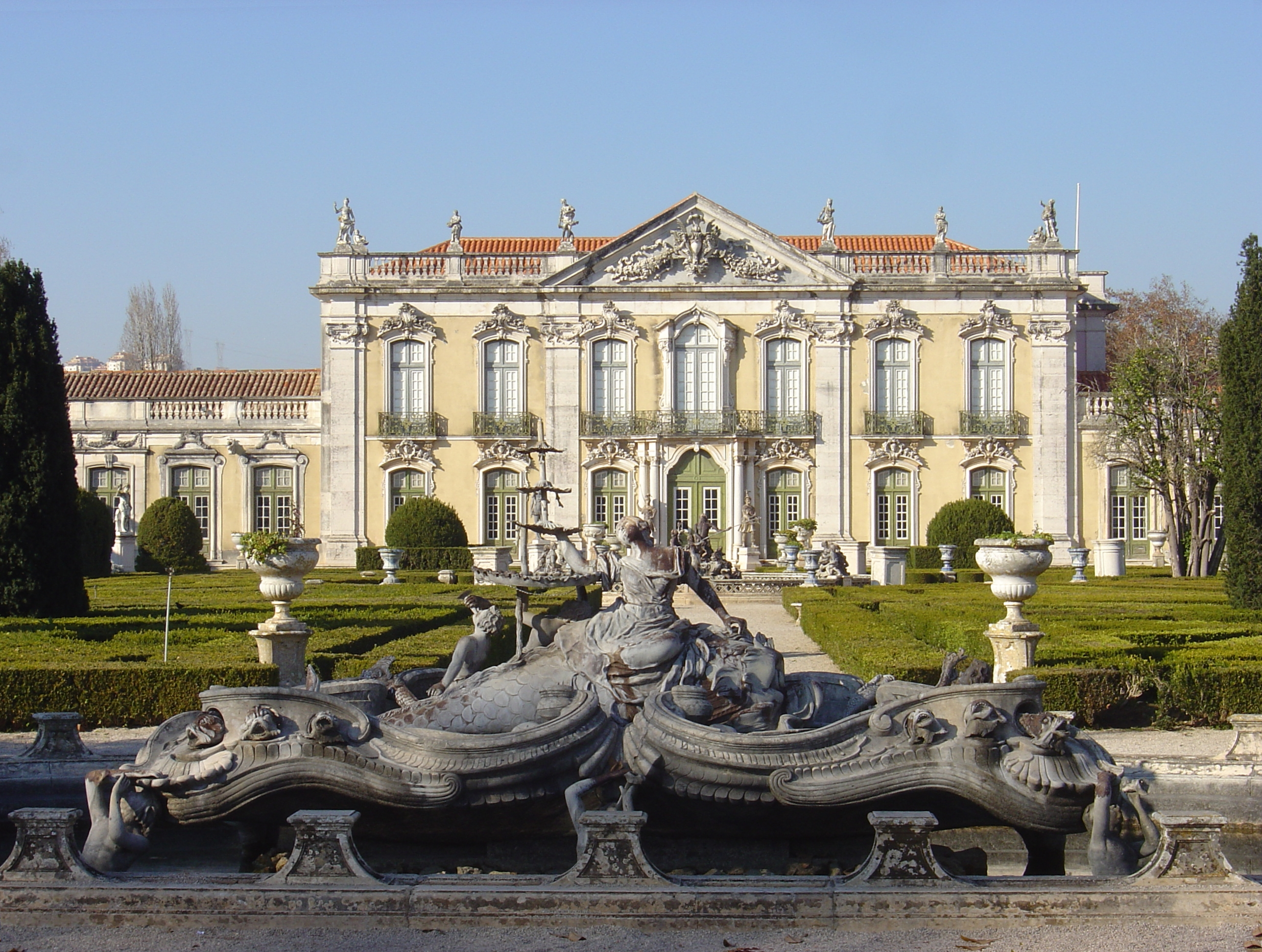 File queluz palace fountains jpg wikipedia for Architecture lisbonne