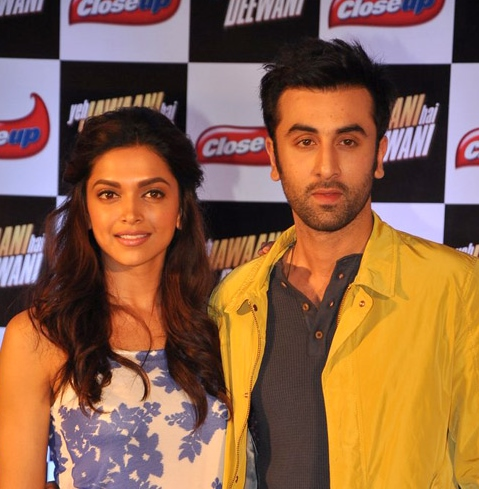 Ranbir Kapoor and Deepika Padkuone pose for the camera
