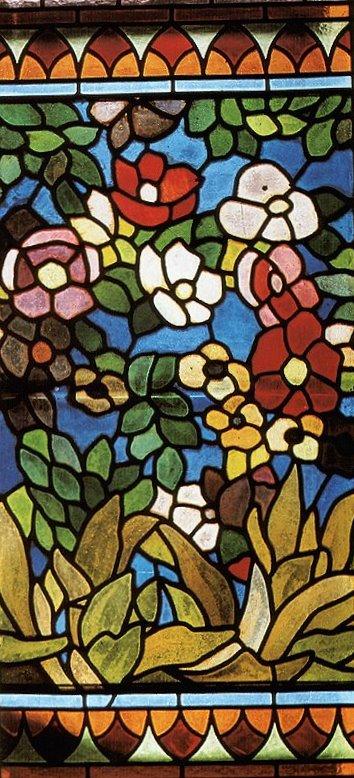 Vitraux de Rippl-Rónai József pour le Café Japan à Budapest, musée d'art deco.