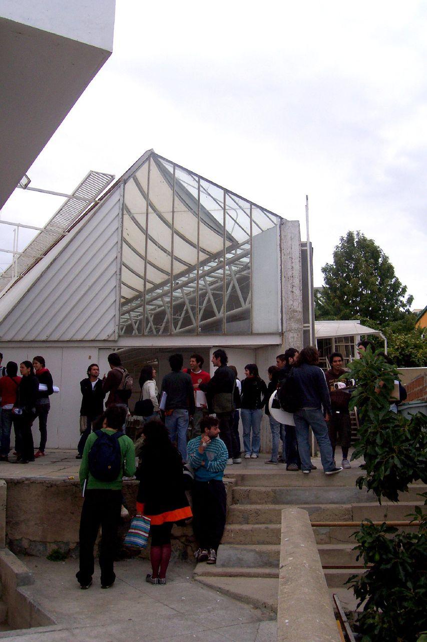 Facultad de arquitectura y dise o de la pontificia for Decano dela facultad de arquitectura