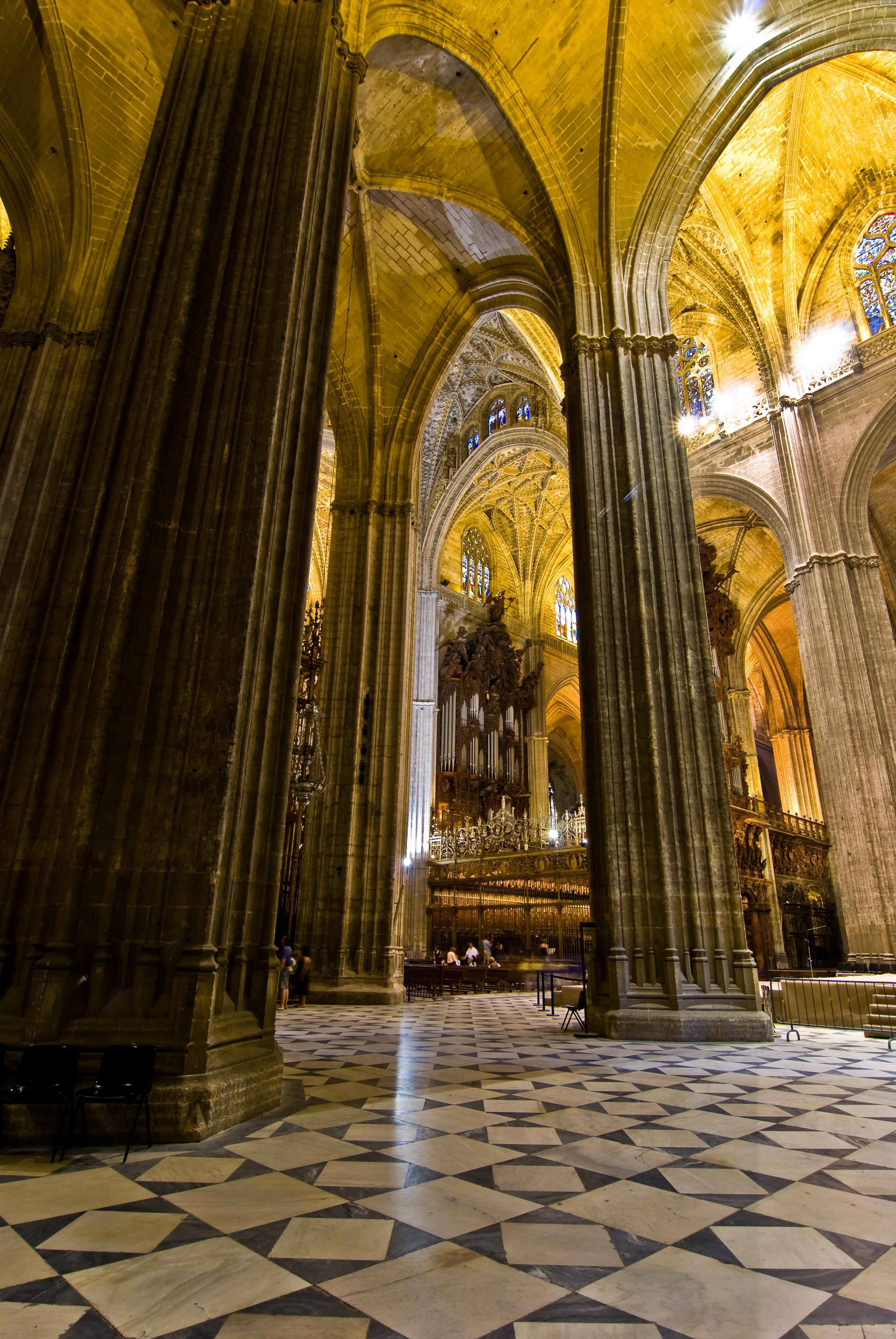 File sevilla cathedral wikimedia commons - Catedral de sevilla interior ...