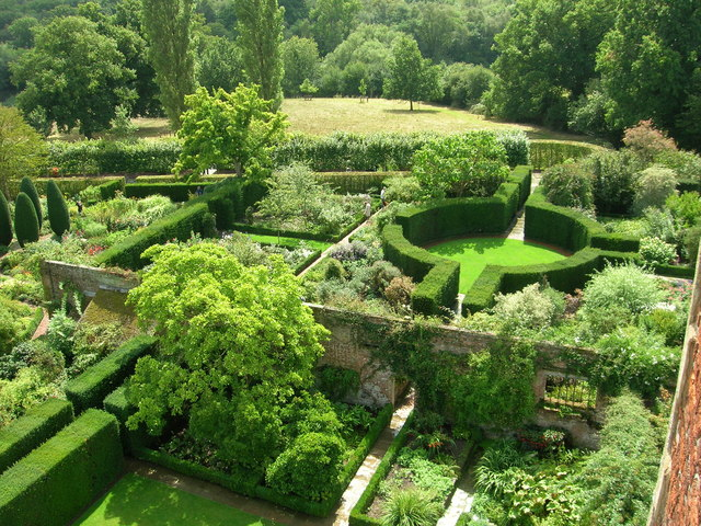 File sissinghurst castle gardens for Jardins anglais celebres