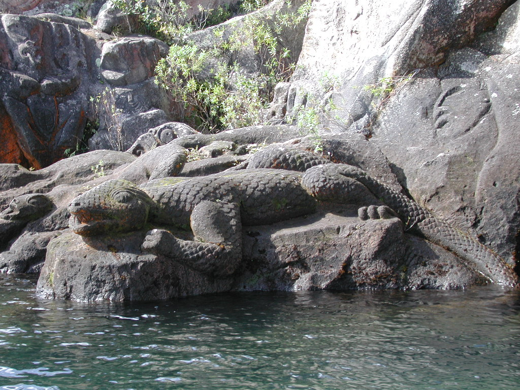File taniwha rock carving from the side lake taupo g