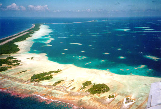 File:Tongareava-Lagoon-01.jpg