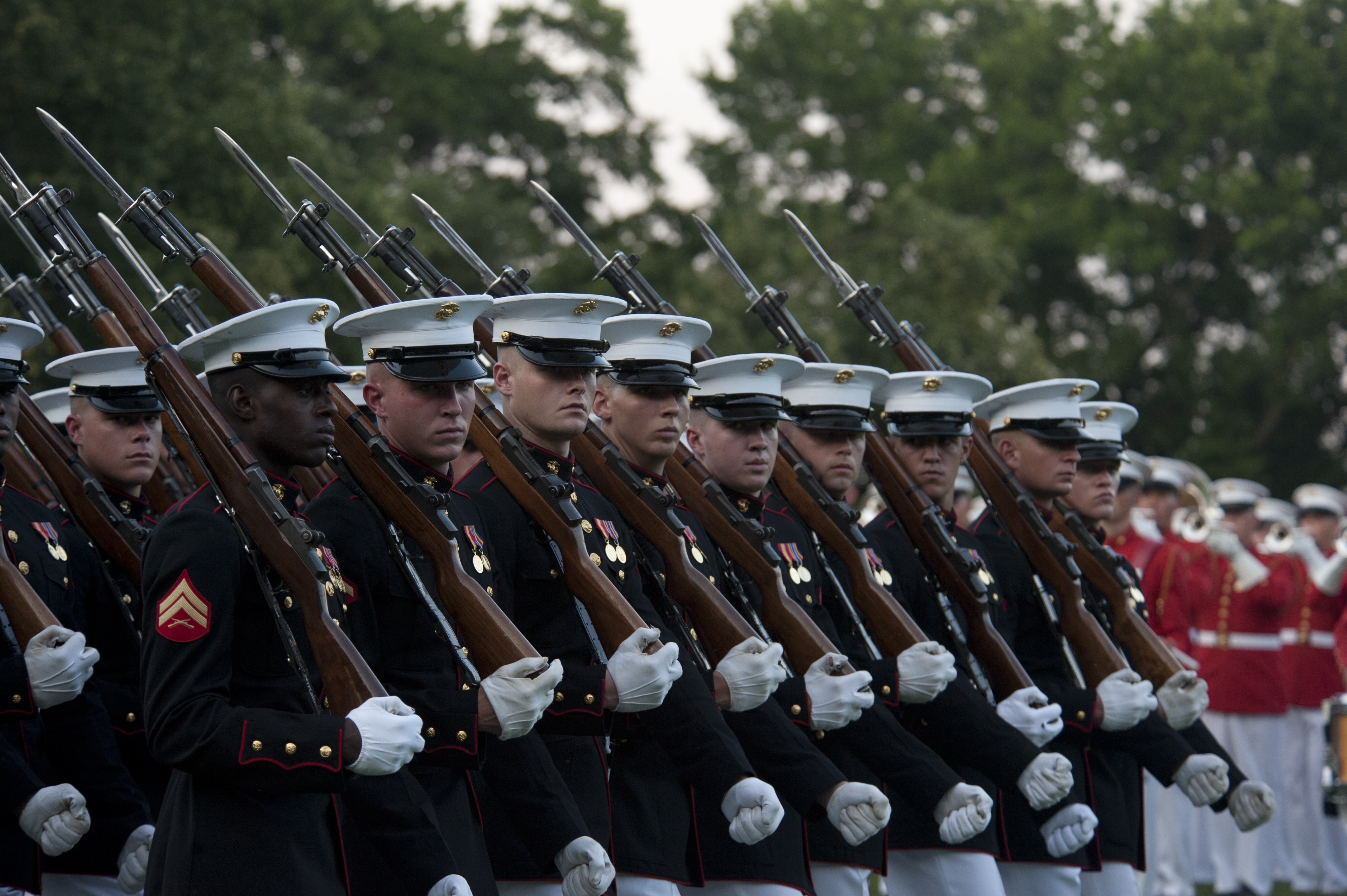 File:U.S. Marines assigned to Marine Barracks Washington ...