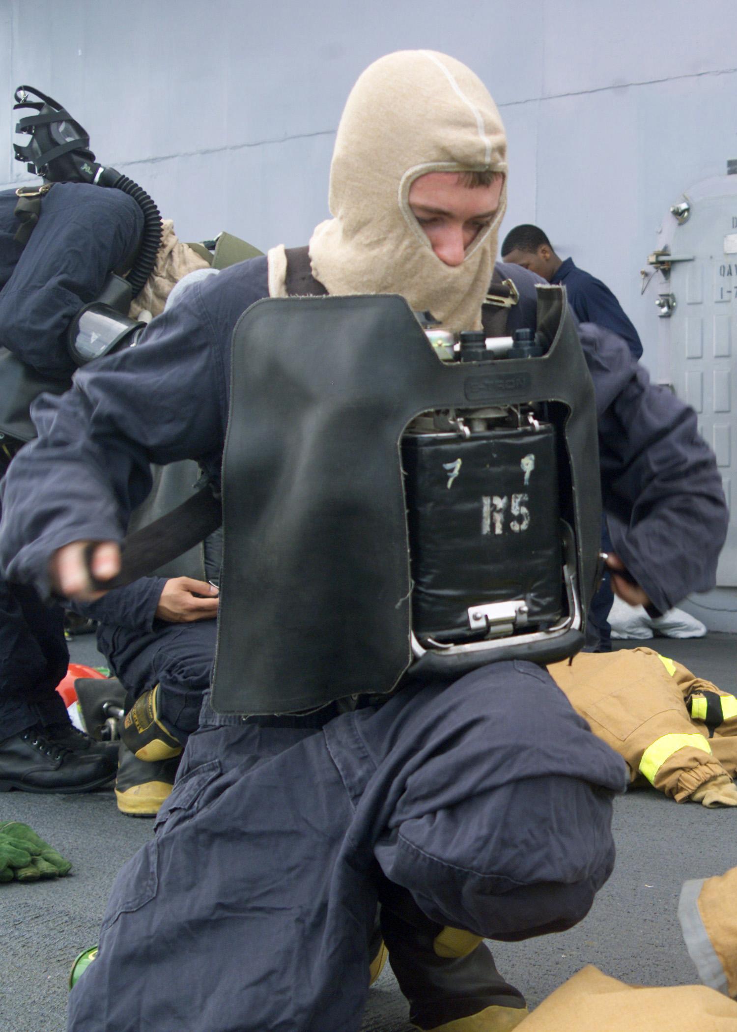 File:US Navy 030403-N-8935H-004 Damage Controlman Fireman ...