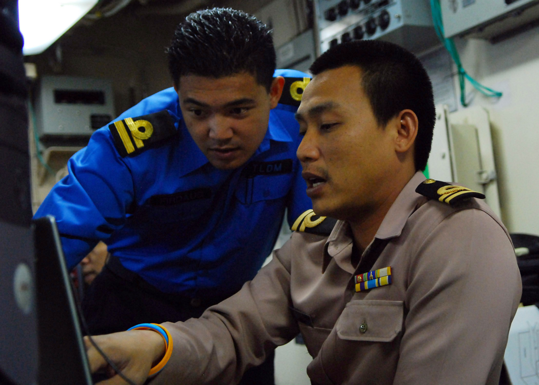 File:US Navy 090817-N-5207L-080 Naval liaison officers from ...