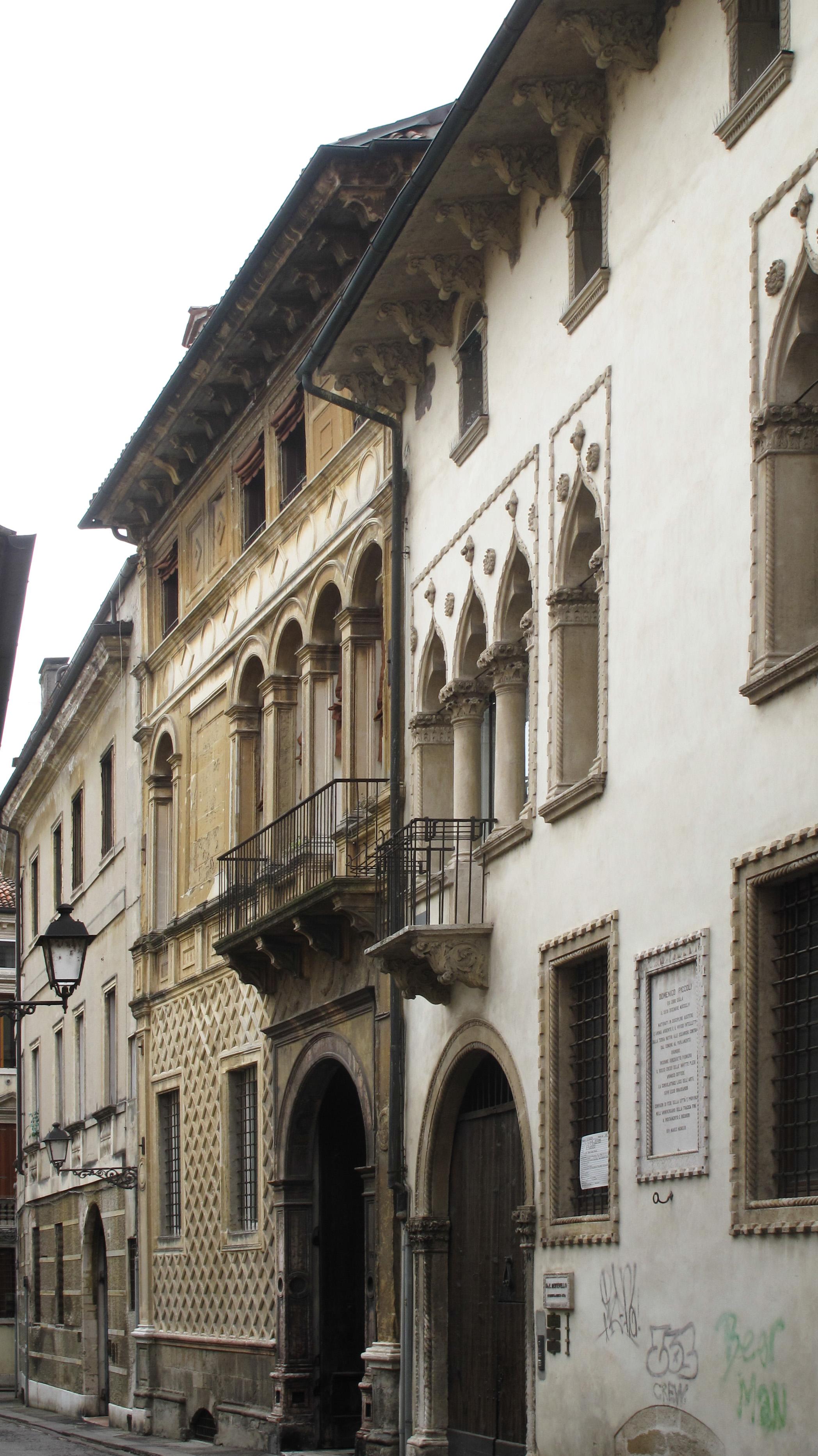 Palazzo Arnaldi Tretti - Wikipedia