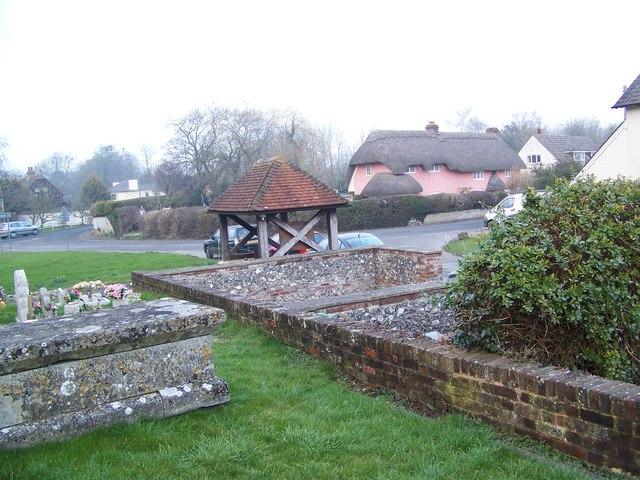 Village Pound, Coombe Bissett - geograph.org.uk - 698029