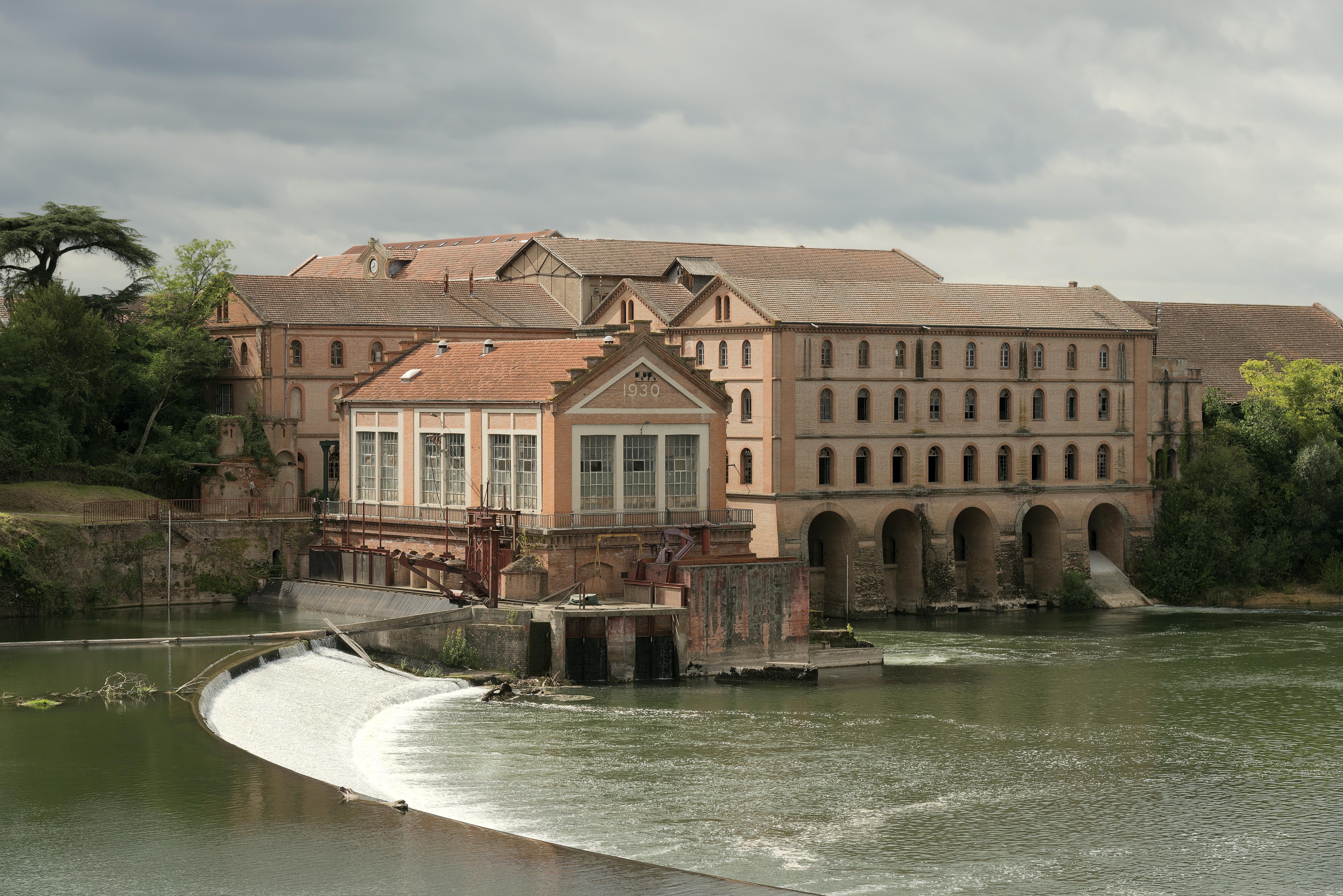 Villemur-sur-Tarn Ancienne usine Brusson.jpg