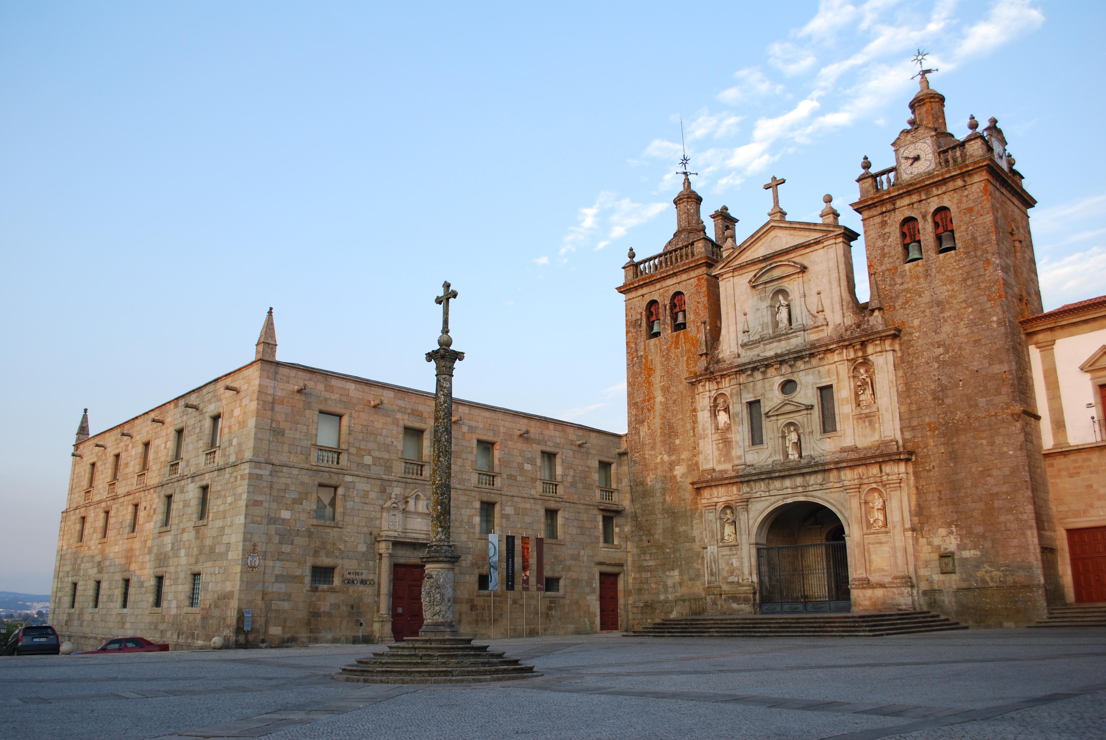 File:Viseu - Antigo Seminário e Sé.jpg - Wikimedia Commons