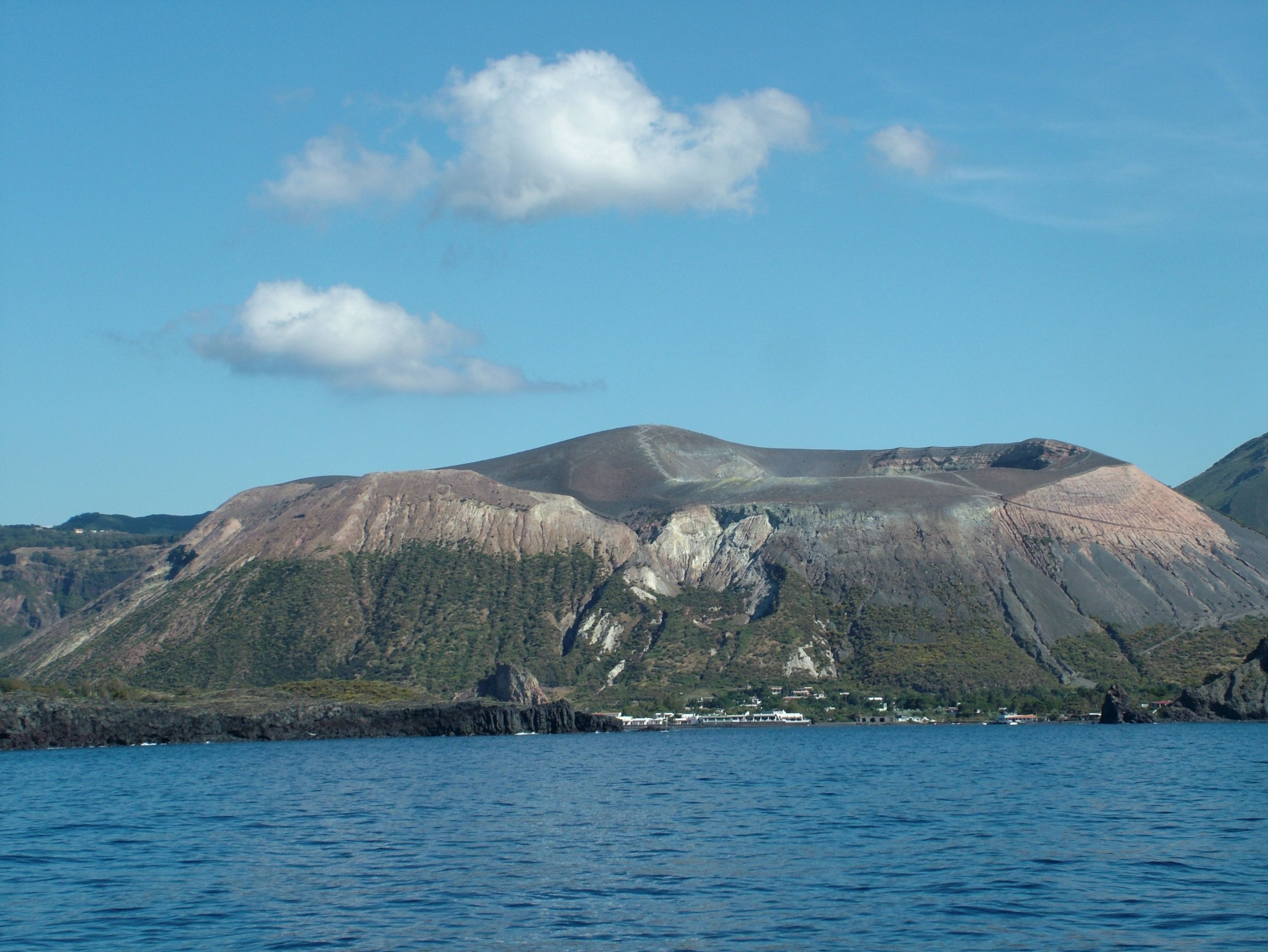 Vulcano dal mare