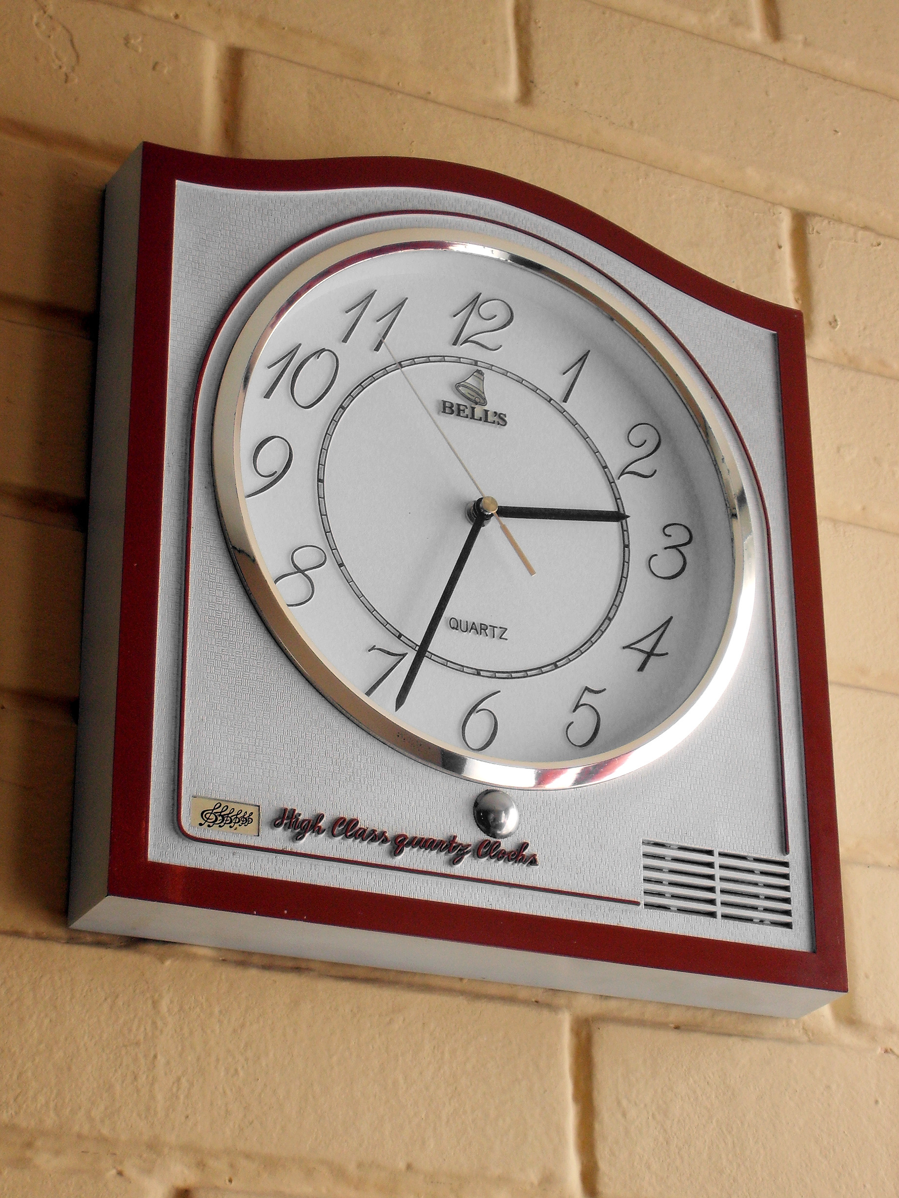 Clock in the wall images home wall decoration ideas clock in the wall filewhite wall clockg wikimedia commons filewhite wall clockg amipublicfo images amipublicfo Gallery
