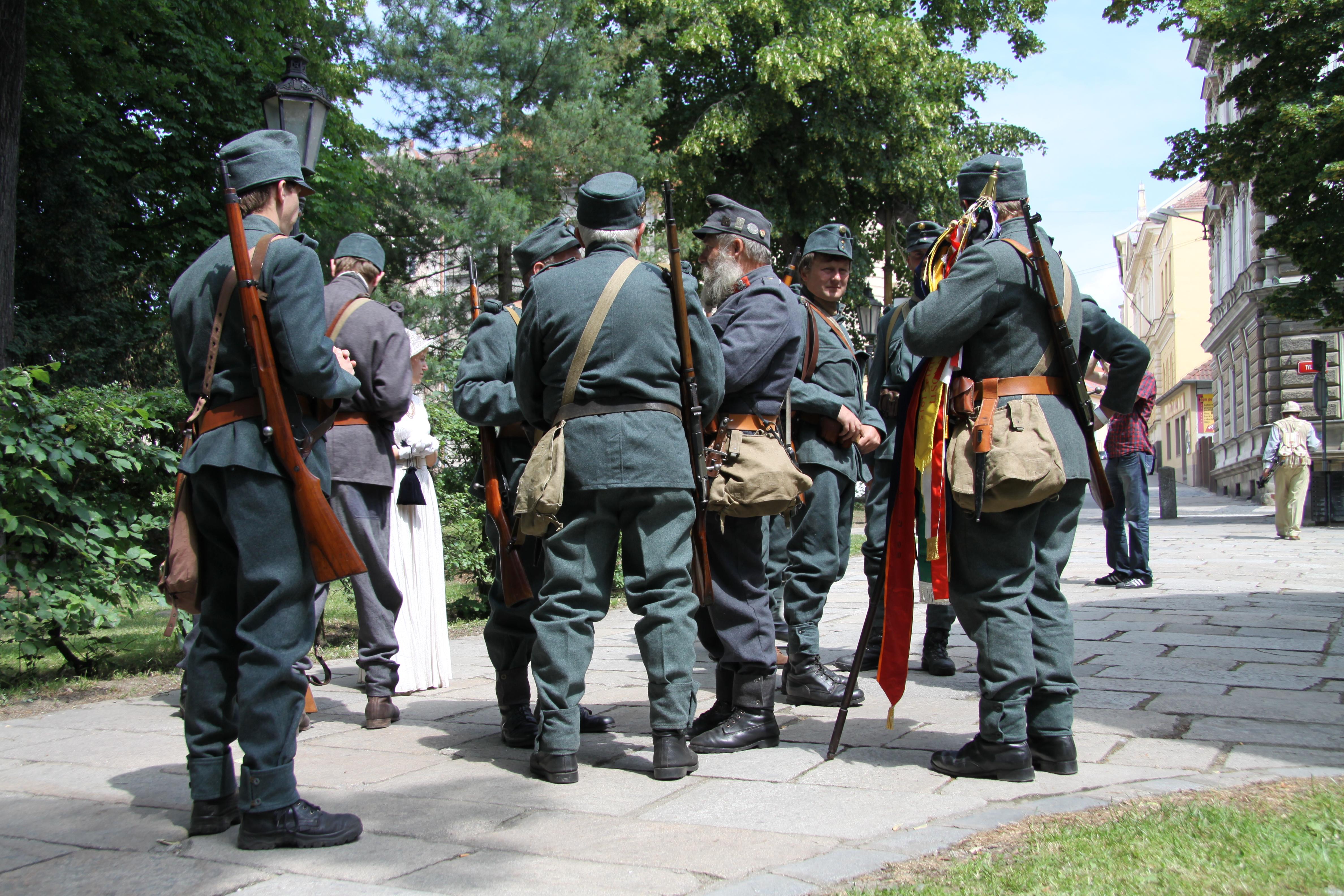 file world war i reenactments of austria hungary army in pisek in