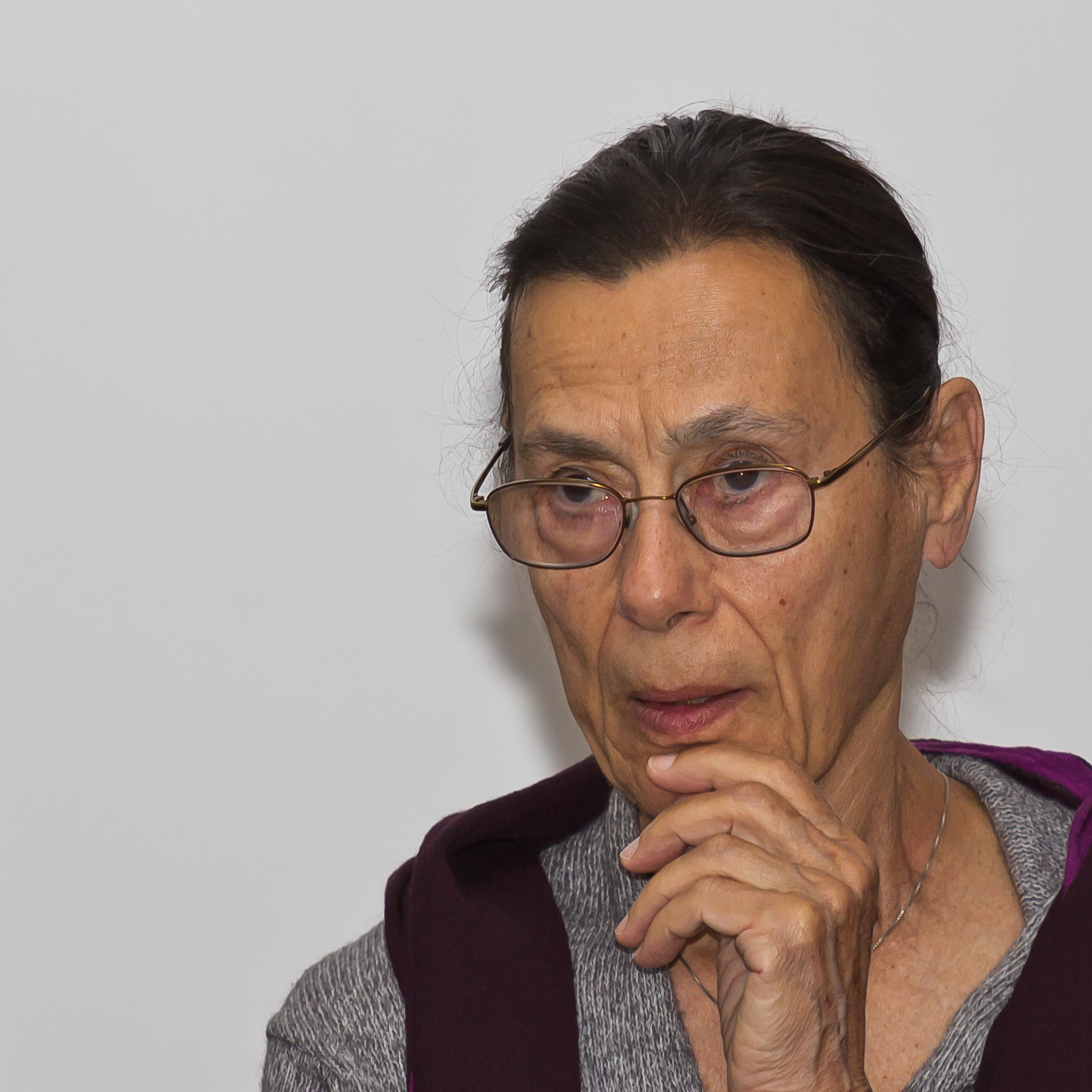 yvonne rainer Creator: yvonne rainer (1965) purpose: to revolutionise dance and reduce it to its essential elements manifesto no to spectacle no to virtuosity no to transformations and magic and make-believe.
