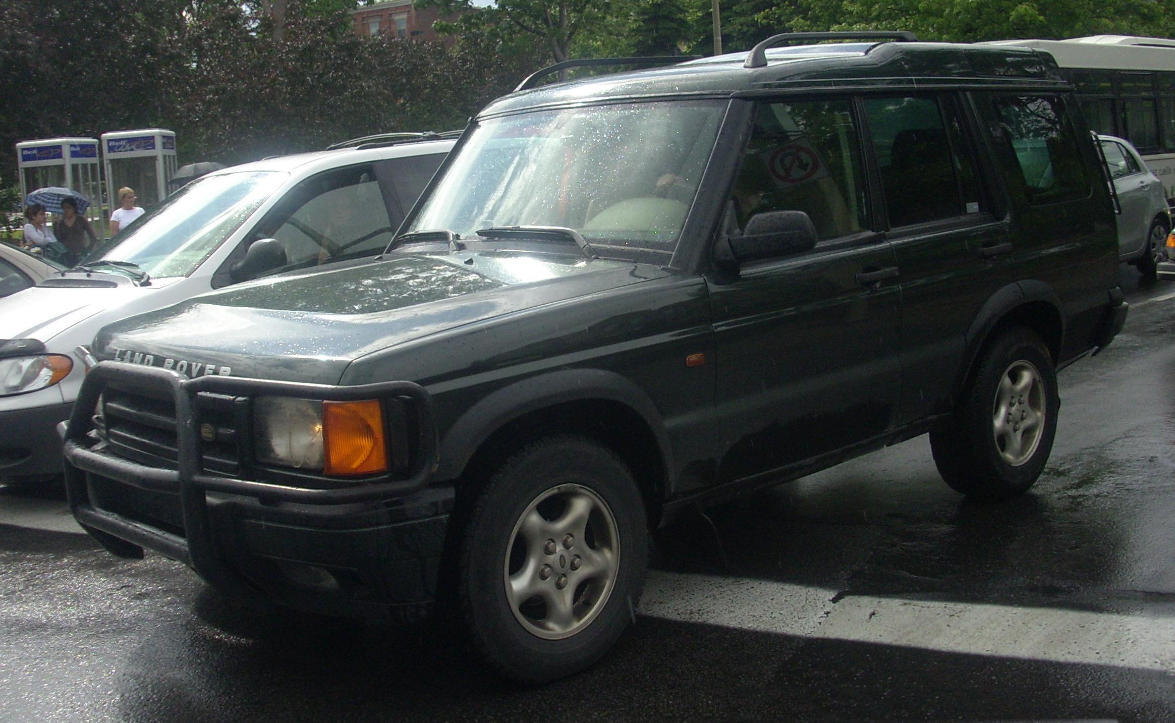 File:'99-'01 Land Rover Discovery.JPG - Wikimedia Commons