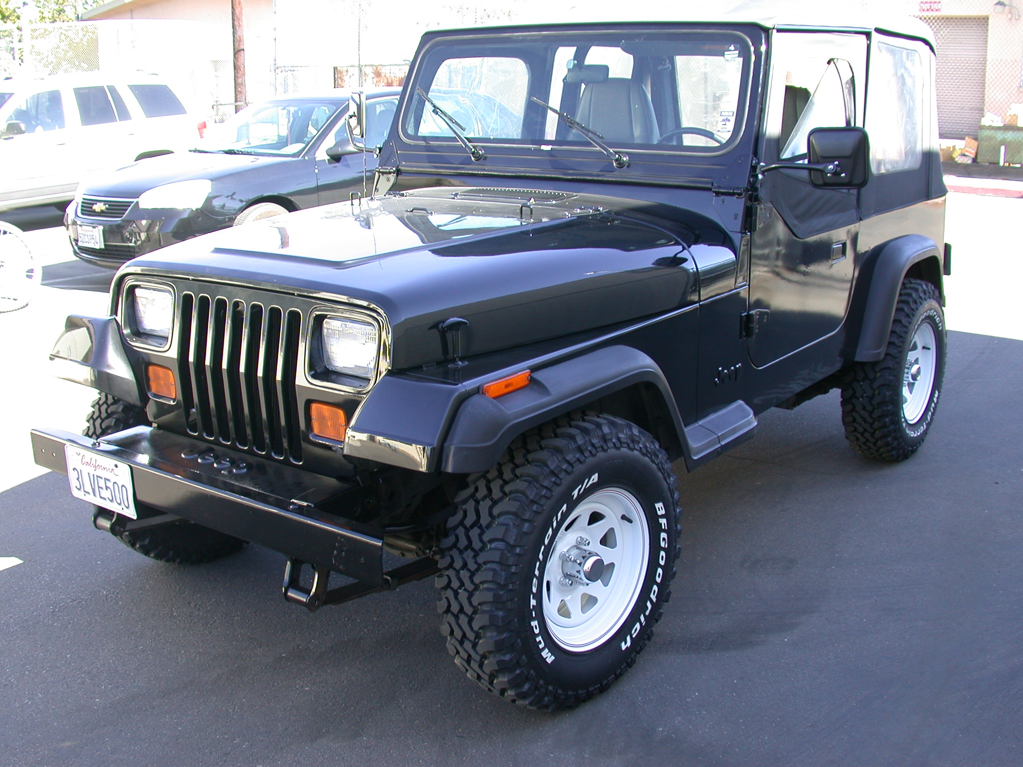 file:1995 jeep wrangler yj (front left) - wikimedia commons