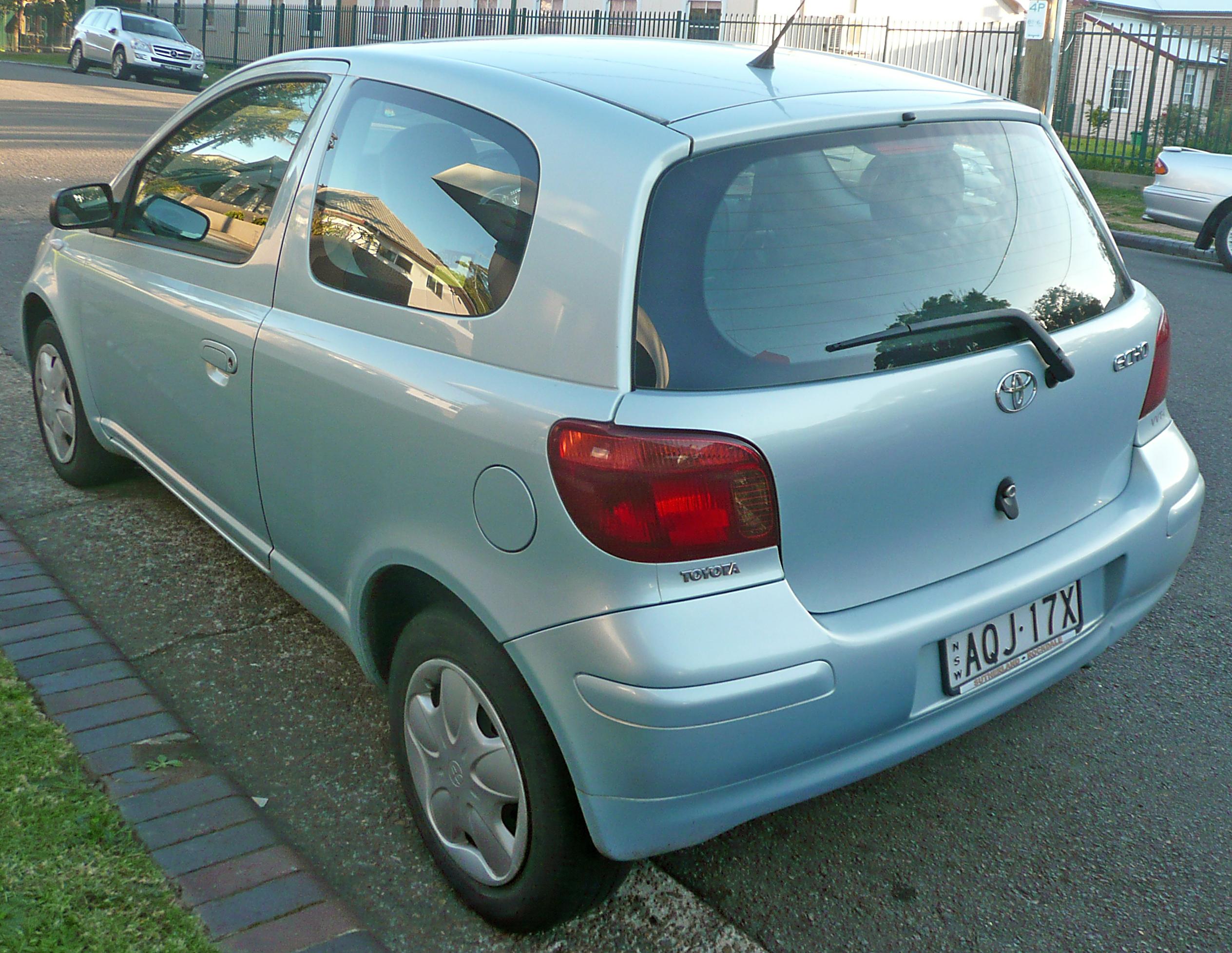 File 2003 2005 Toyota Echo Ncp10r 3 Door Hatchback 01