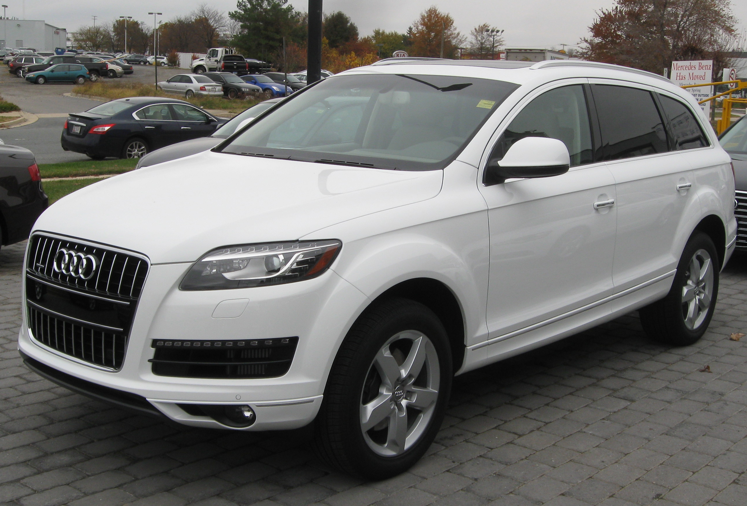File 2012 Audi Q7 Tdi 11 10 2011 Jpg Wikimedia Commons
