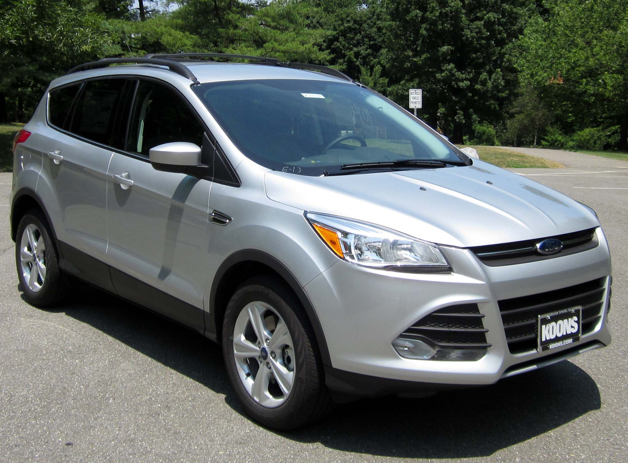 Description 2013 Ford Escape SE -- 07-11-2012.JPG