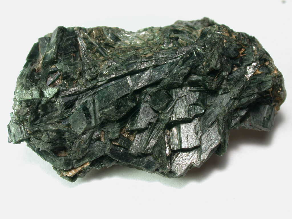 File:Actinolite - Mendocino County, California, USA.jpg