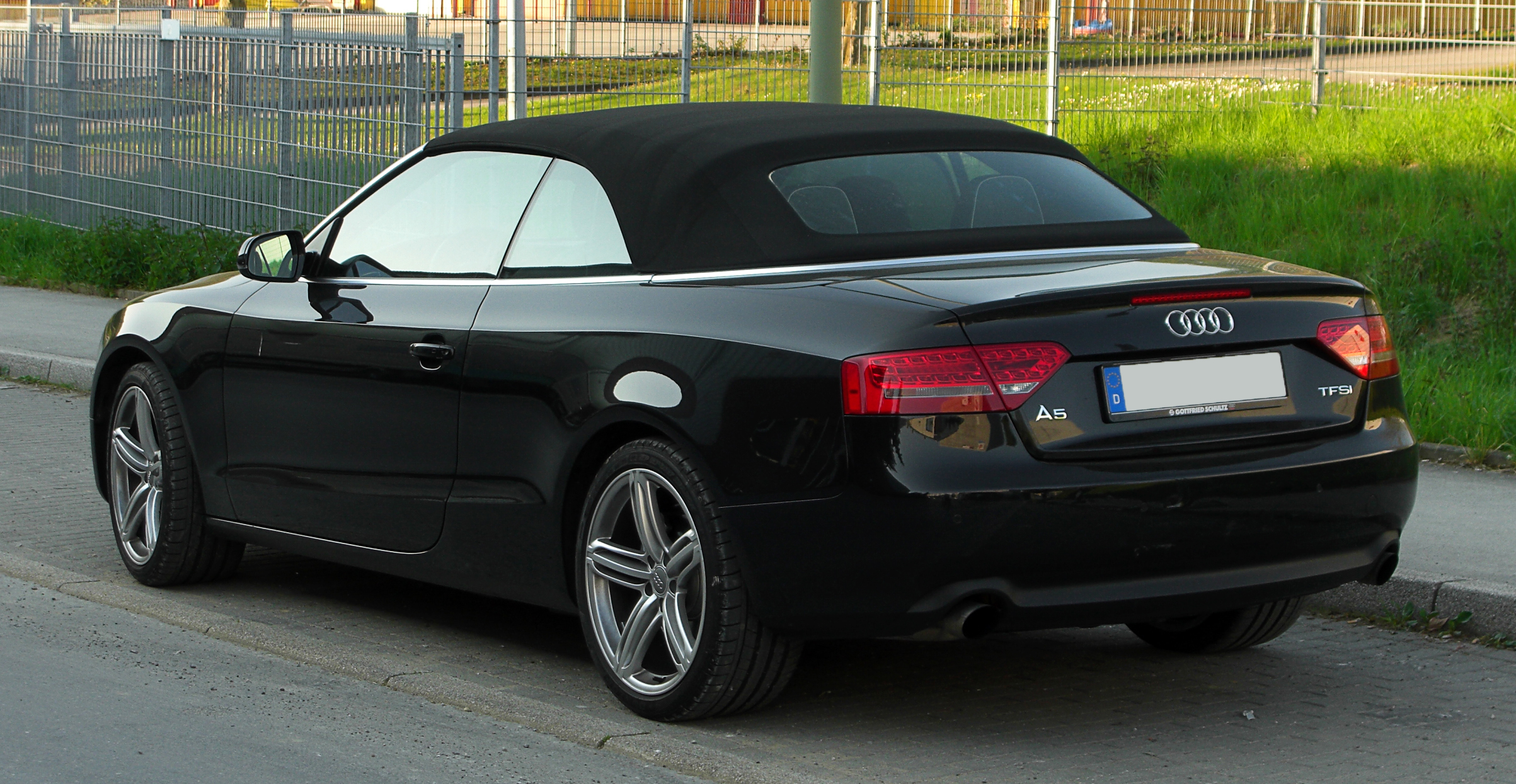 file audi a5 cabriolet tfsi heckansicht 18 april 2011 w wikimedia commons. Black Bedroom Furniture Sets. Home Design Ideas
