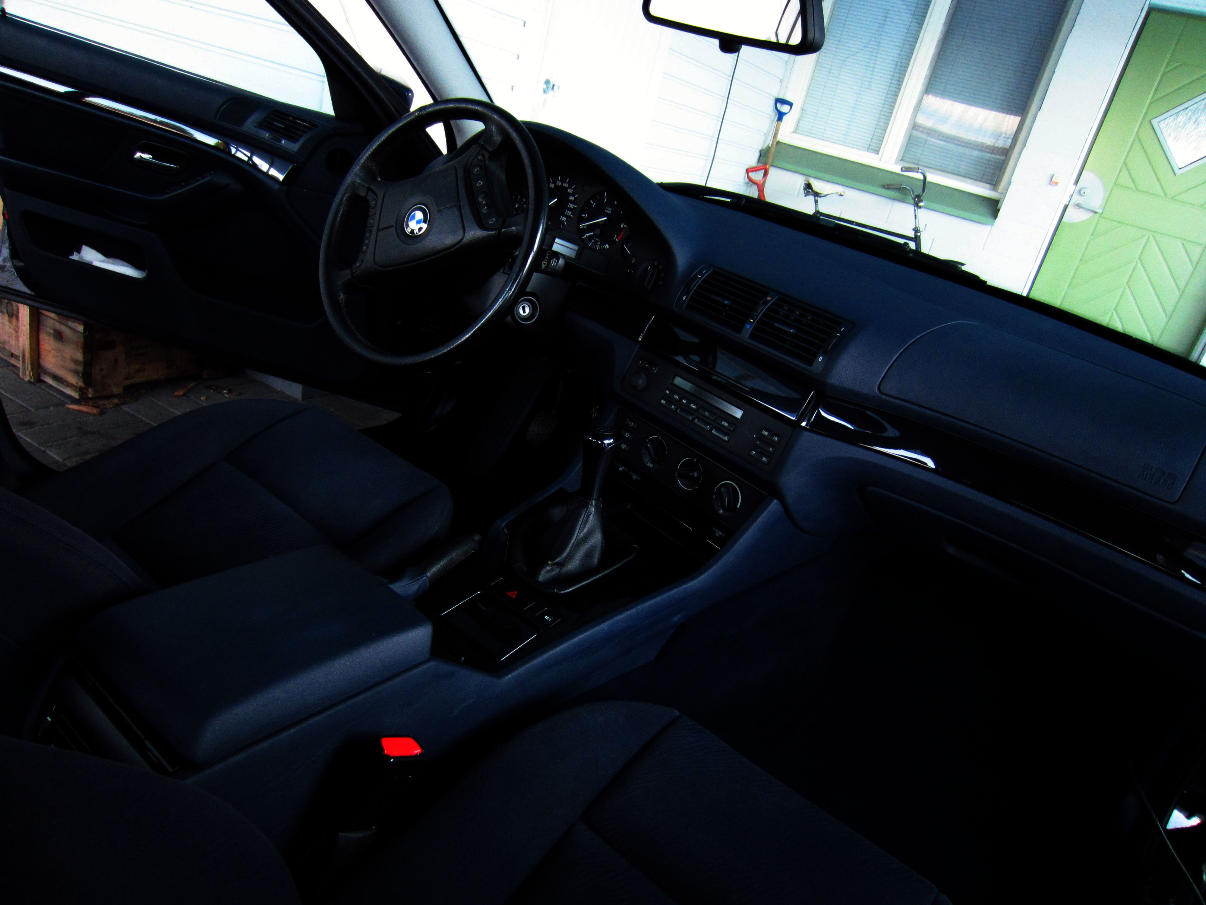 File Bmw E39 5 Series My1999 523i Interior With Cloth Seats Jpg Wikimedia Commons