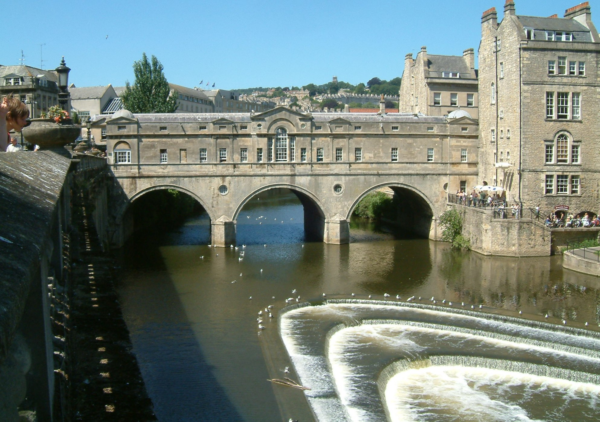 File bath pulteney bridge jpg wikimedia commons for Bath pictures