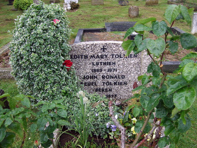 Beren and Luthien buried together - geograph.org.uk - 1324586