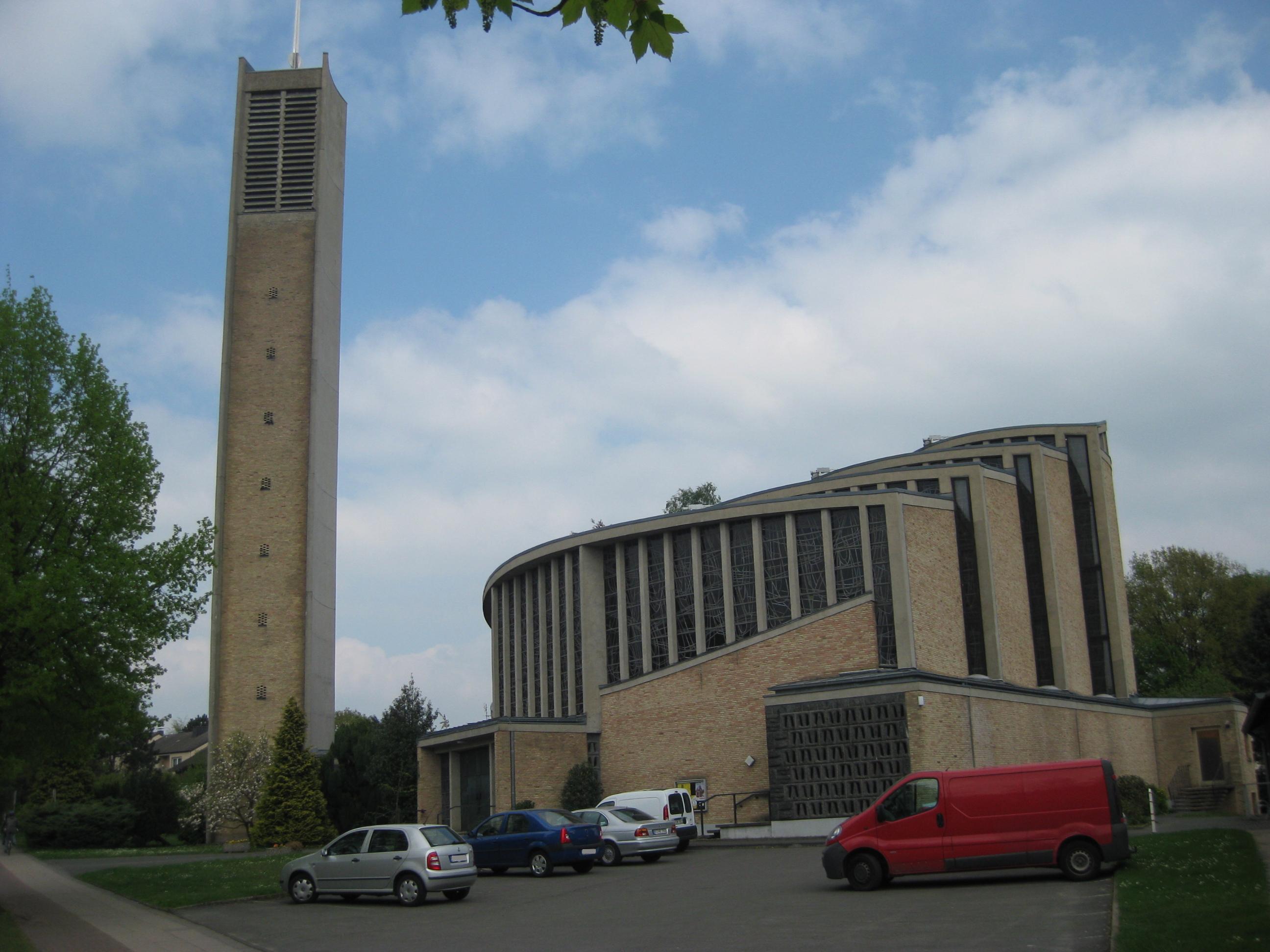 File:Bielefeld - St. Thomas Morus-Kirche.jpg - Wikimedia Commons