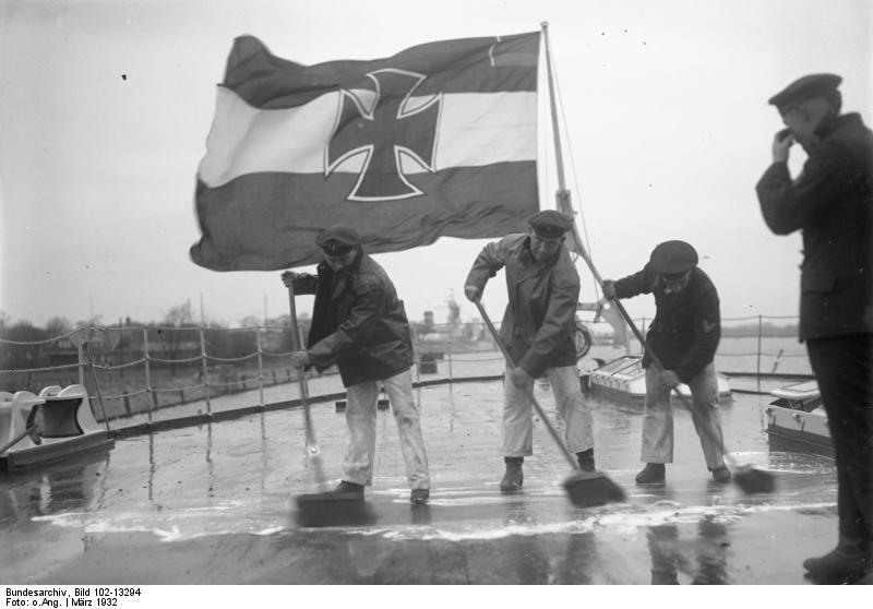 """Bundesarchiv Bild 102-13294, Linienschiff """"Schleswig-Holstein"""""""