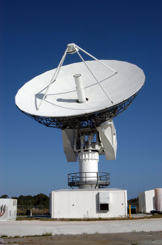 Description C-band Radar-dish Antenna.jpg