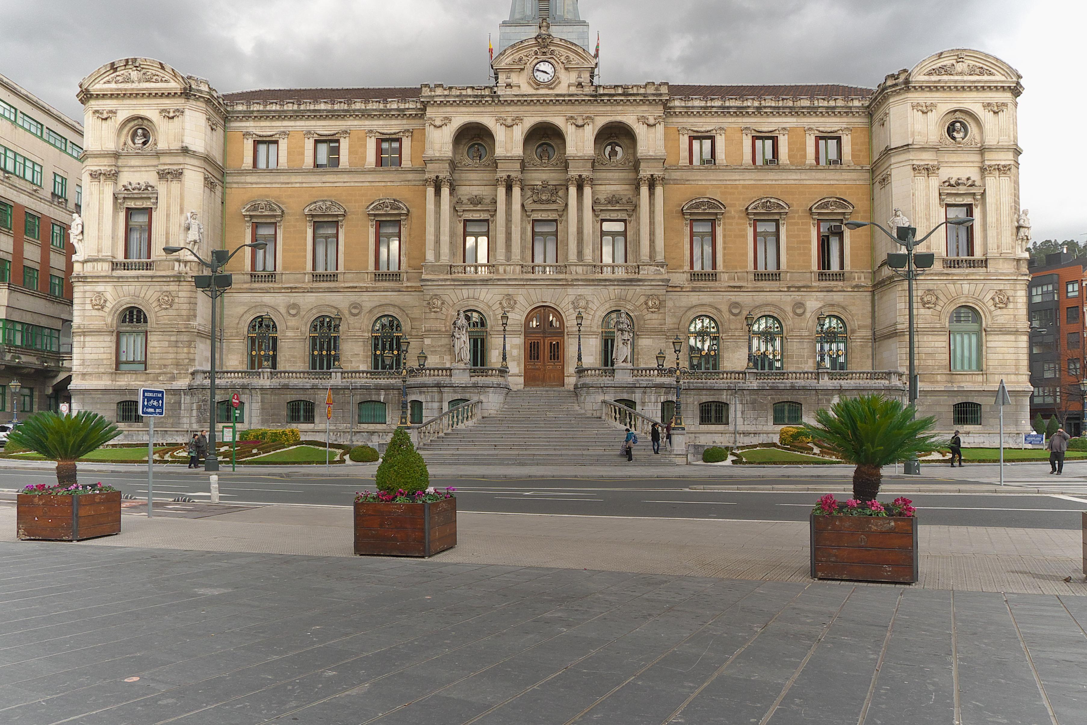 File casa consistorial wikimedia commons - Casa en bilbao ...
