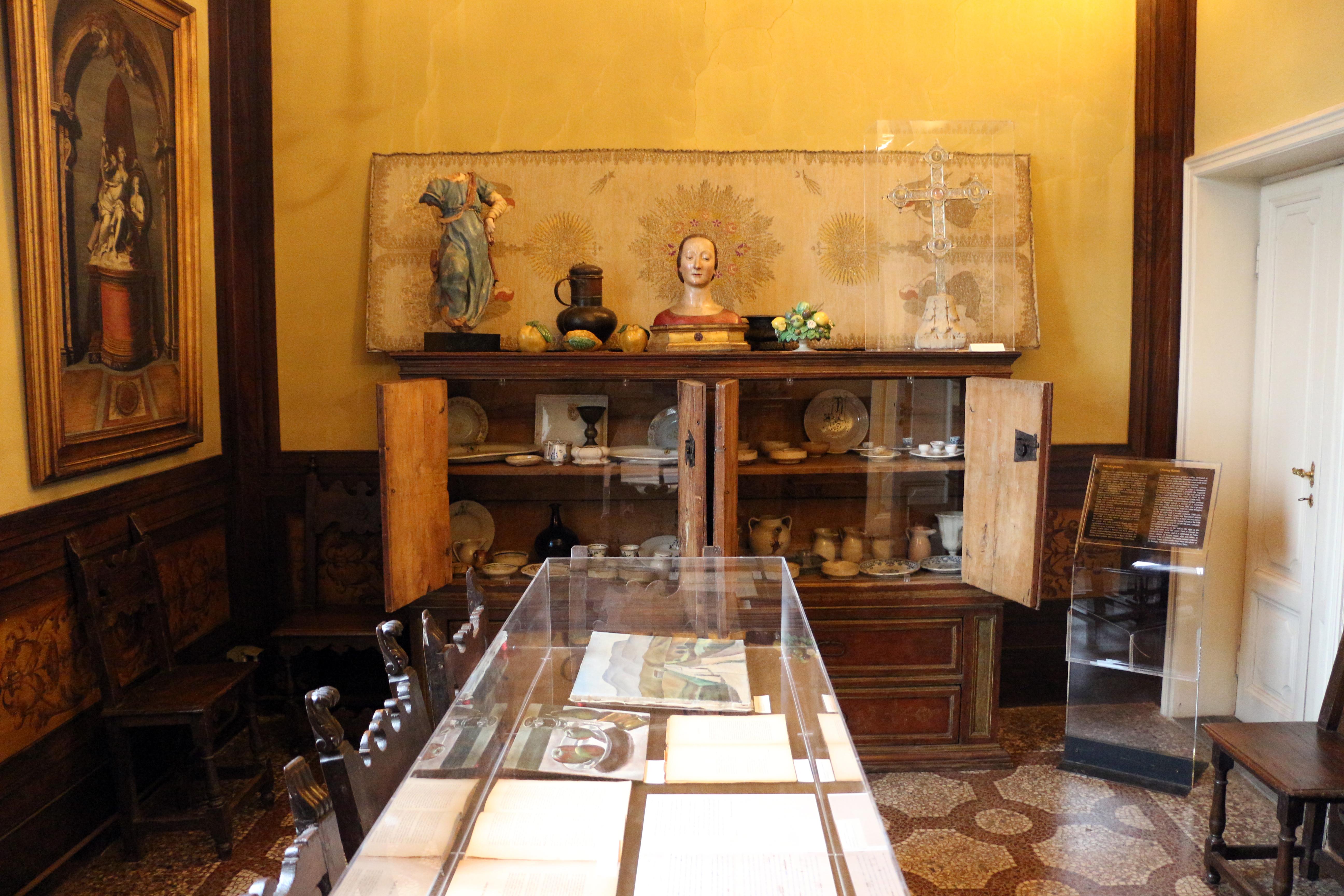 File:Casa siviero, sala da pranzo, credenza del xviii secolo.JPG ...