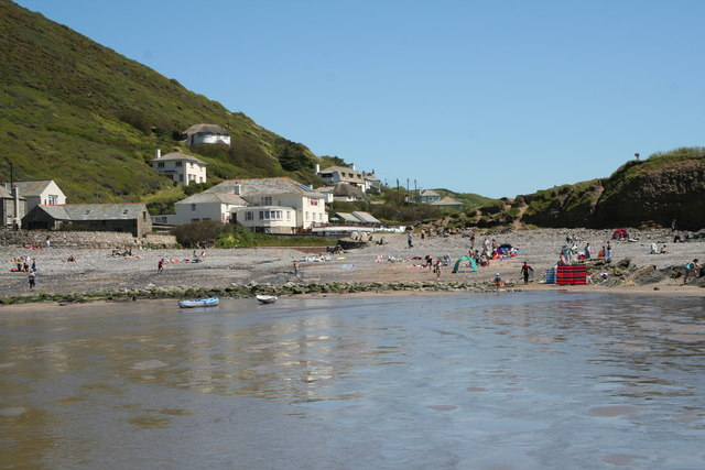 File:Coombe Barton Inn at Crackington Haven - geograph.org.uk - 905111.jpg